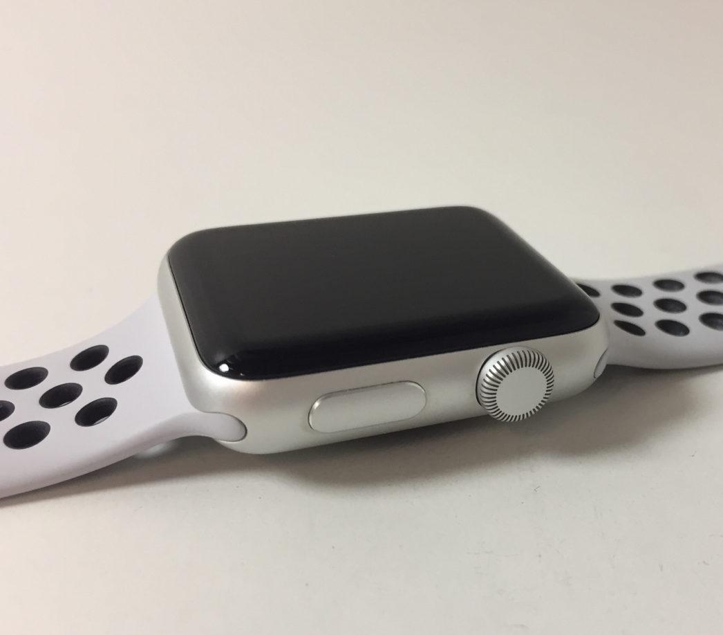 Watch Series 3 Aluminum (42mm), White/black Nike, Kuva 3