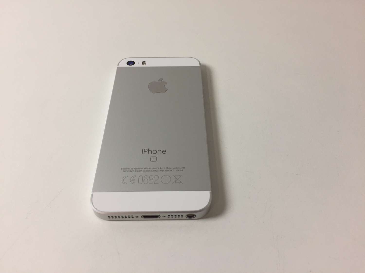 iPhone SE 16GB, 16GB, Silver, Kuva 2