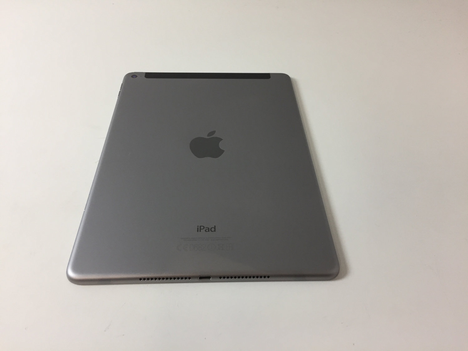 iPad Air 2 Wi-Fi + Cellular 16GB, 16 GB, Gray, Afbeelding 2