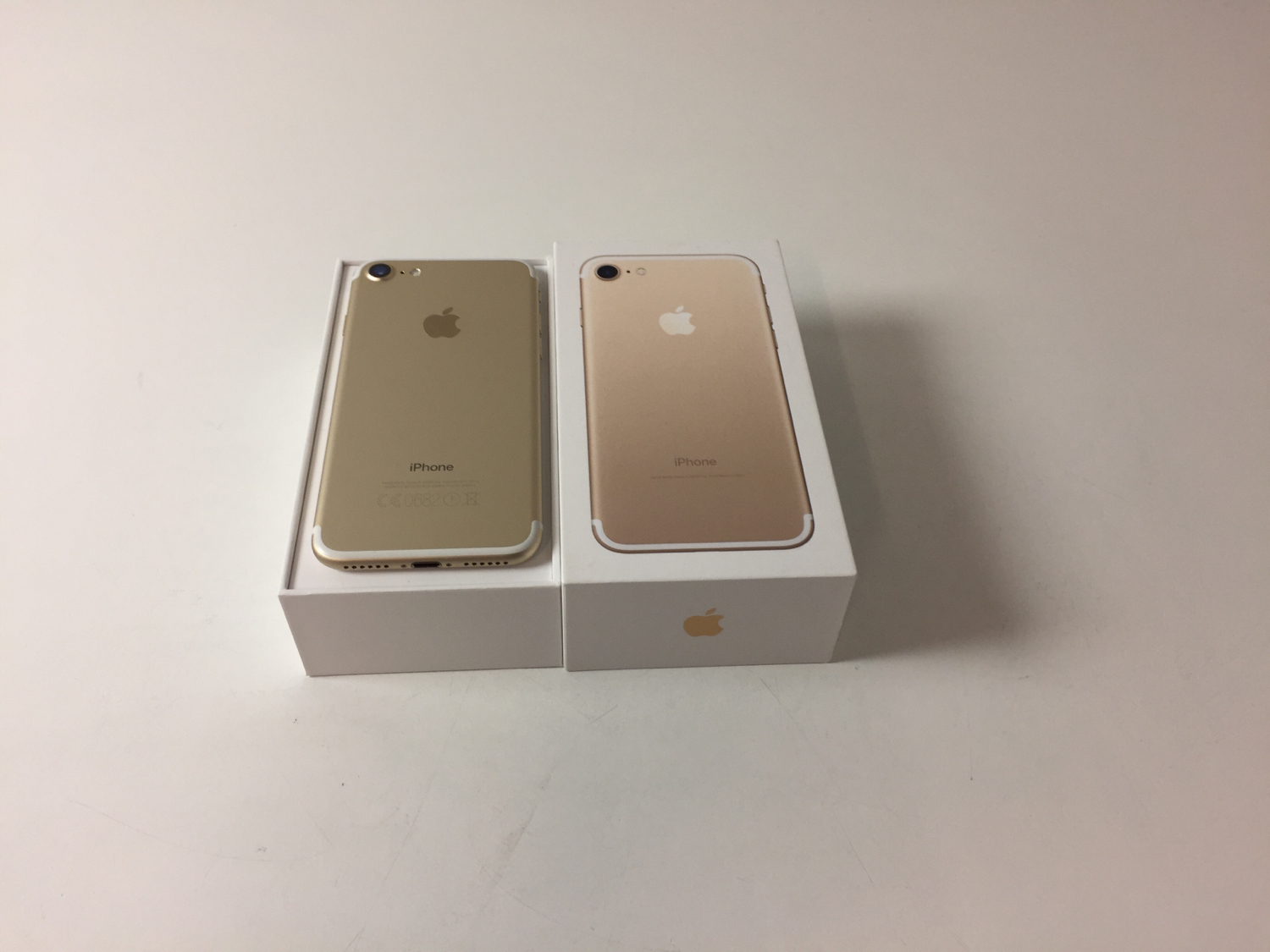 iPhone 7 128GB, 128GB, Gold, bild 2