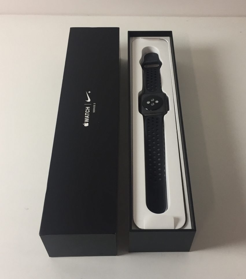Watch Series 3 Aluminum (42mm), Space Gray (Nike), Bild 1