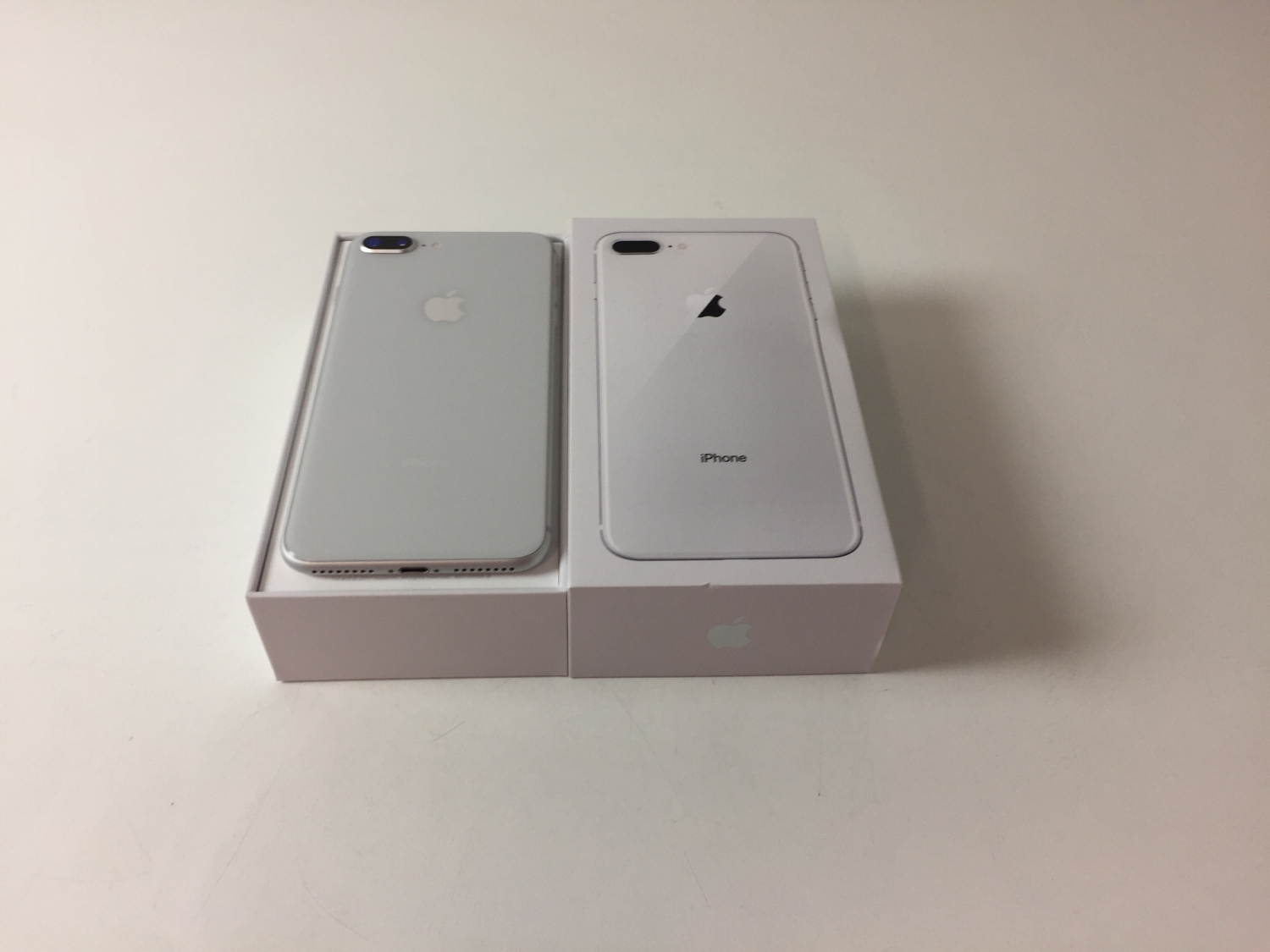 iPhone 8 Plus 256GB, 256 GB, Silver, Bild 2