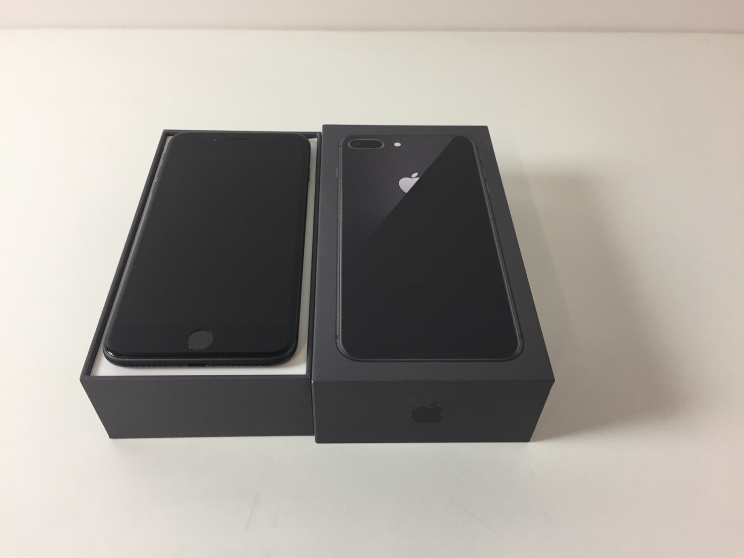 iPhone 8 Plus 256GB, 256 GB, Gray, imagen 1