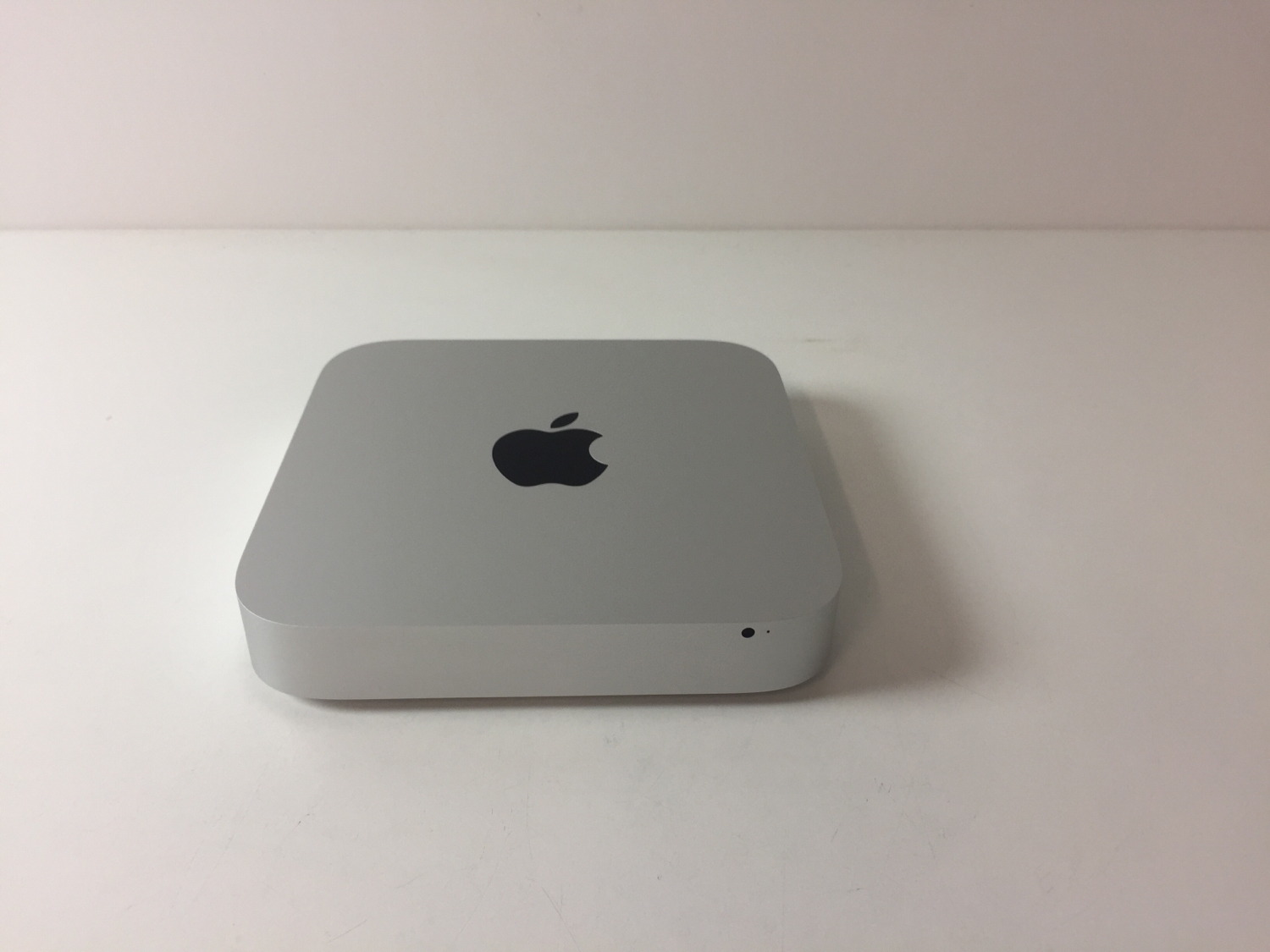Mac Mini Late 2014 (Intel Core i5 1.4 GHz 4 GB RAM 500 GB HDD), Intel Core i5 1.4 GHz (Turbo Boost 2.7 GHz), 4 GB , 500 GB HDD  , imagen 1