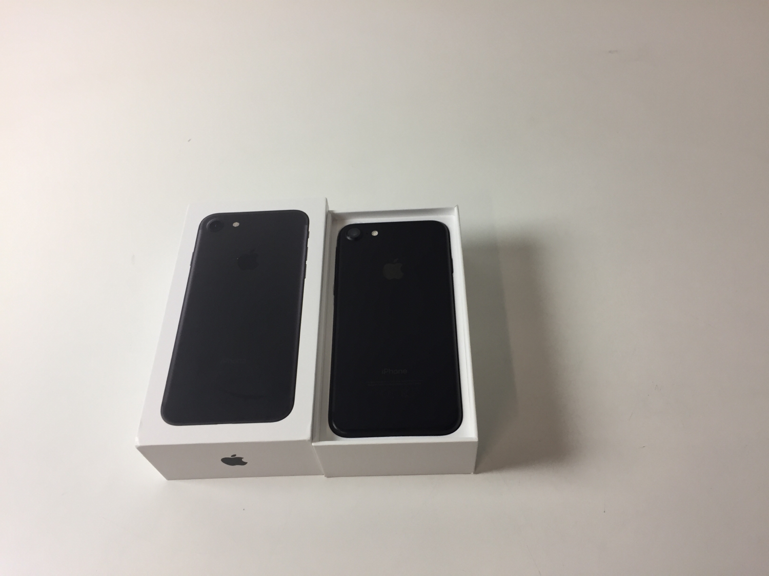 iPhone 7 32GB, 32 GB, Black, Kuva 2