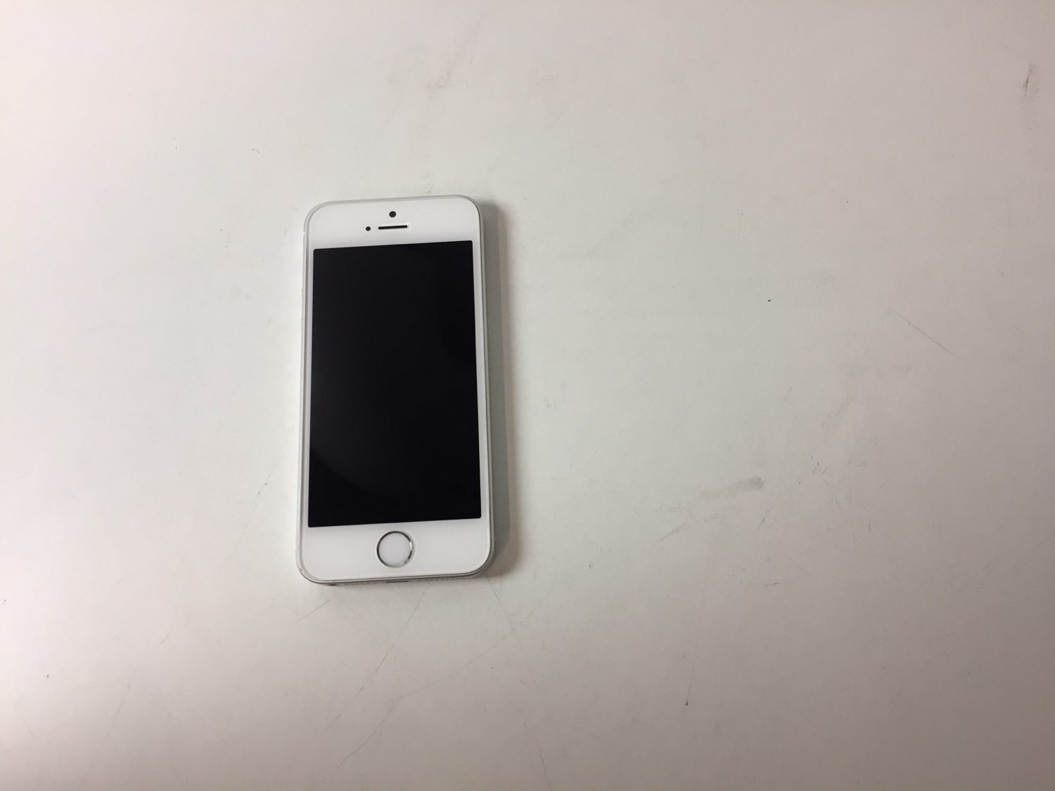 iPhone SE 64GB, 64GB, Silver, Kuva 1