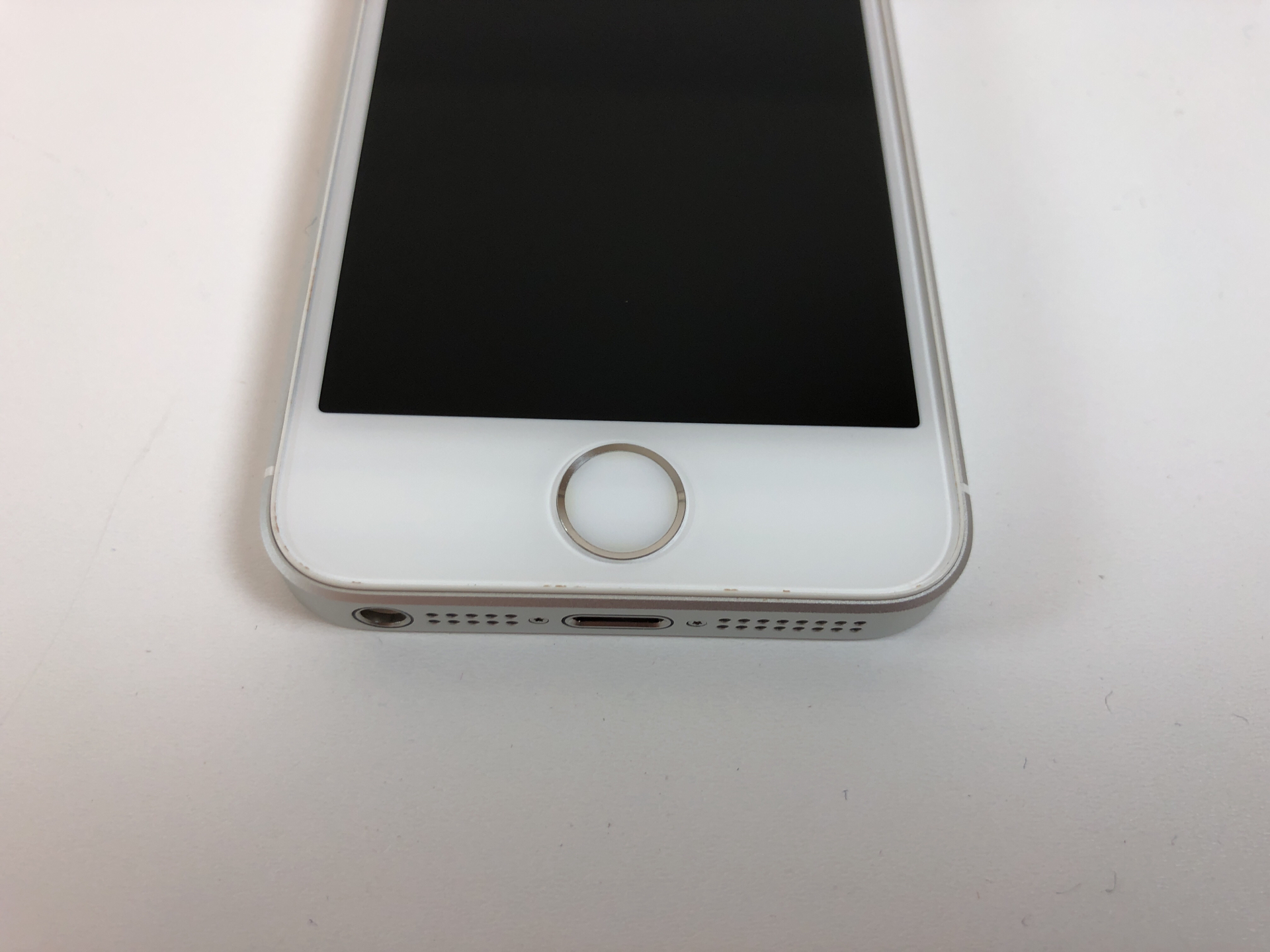 iPhone SE 16GB, 16GB, Silver, Kuva 4