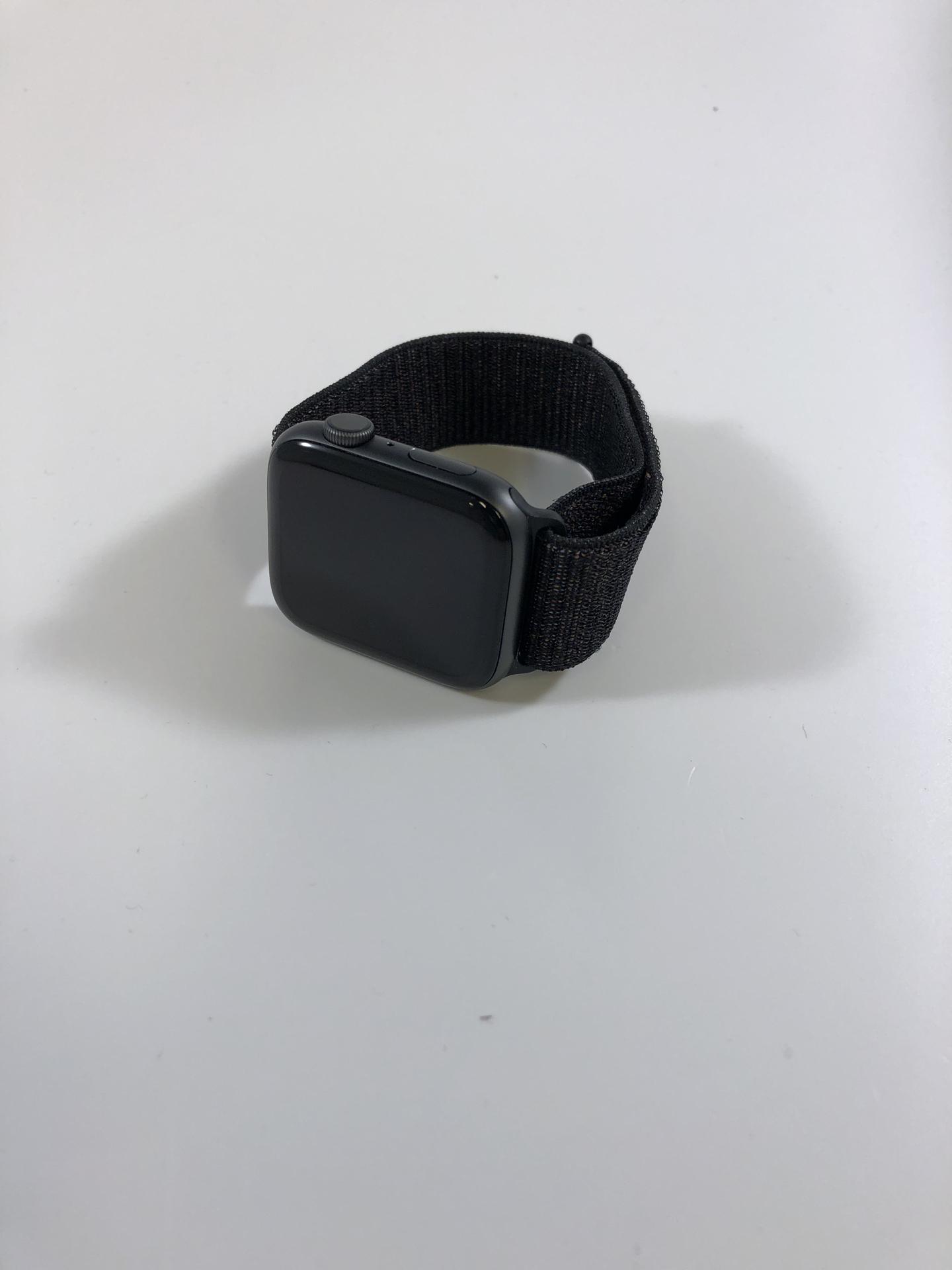 Watch Series 4 Aluminum (44mm), Space Gray, Black Nike Sport Loop, Kuva 1