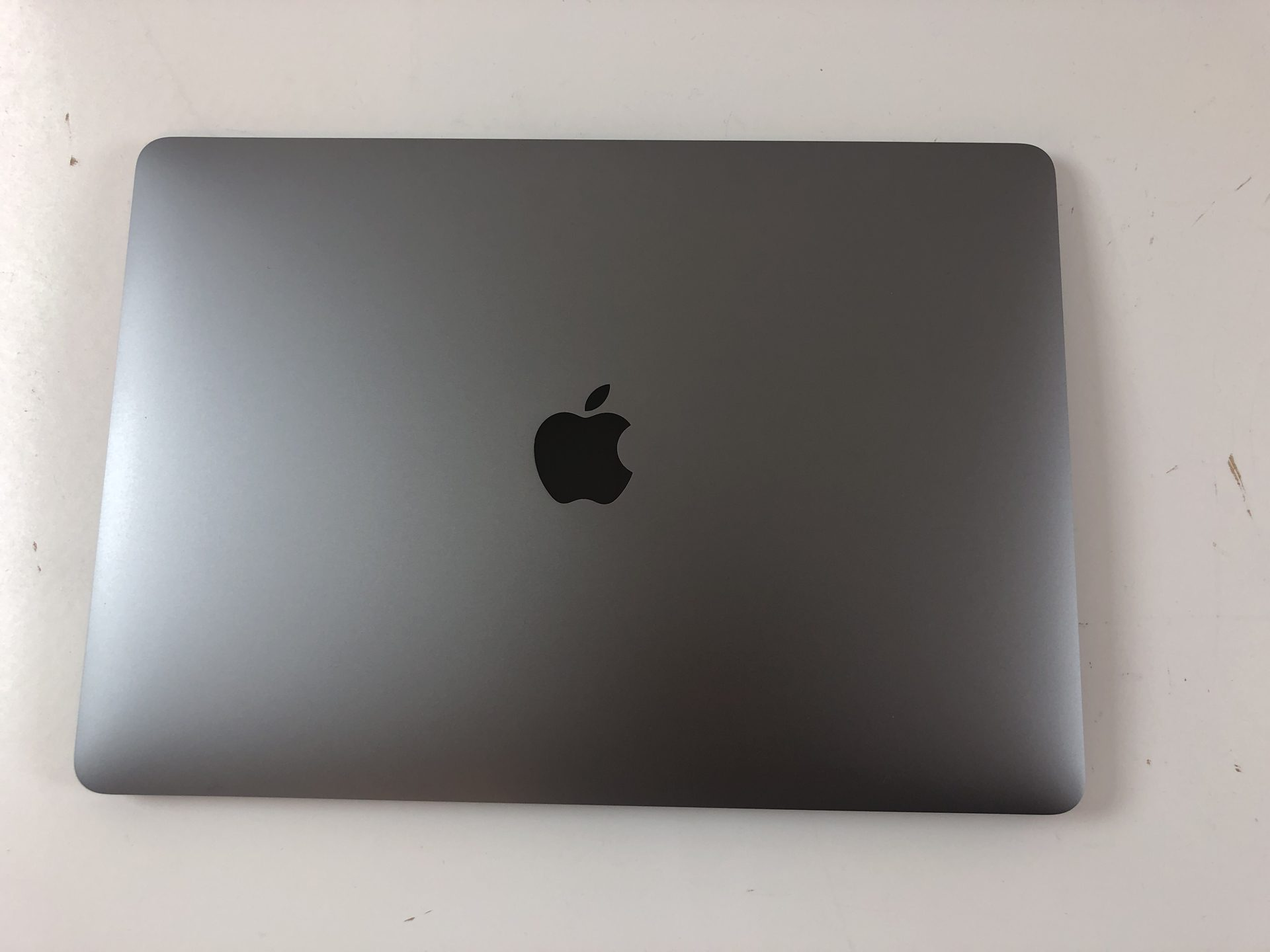 "MacBook Pro 13"" 4TBT Mid 2019 (Intel Quad-Core i5 2.4 GHz 8 GB RAM 256 GB SSD), Space Gray, Intel Quad-Core i5 2.4 GHz, 8 GB RAM, 256 GB SSD, Kuva 2"