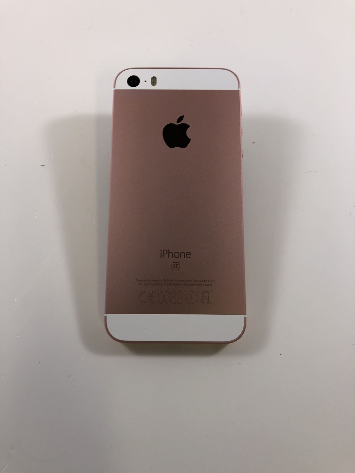 iPhone SE 128GB, 128GB, Rose Gold, Kuva 2