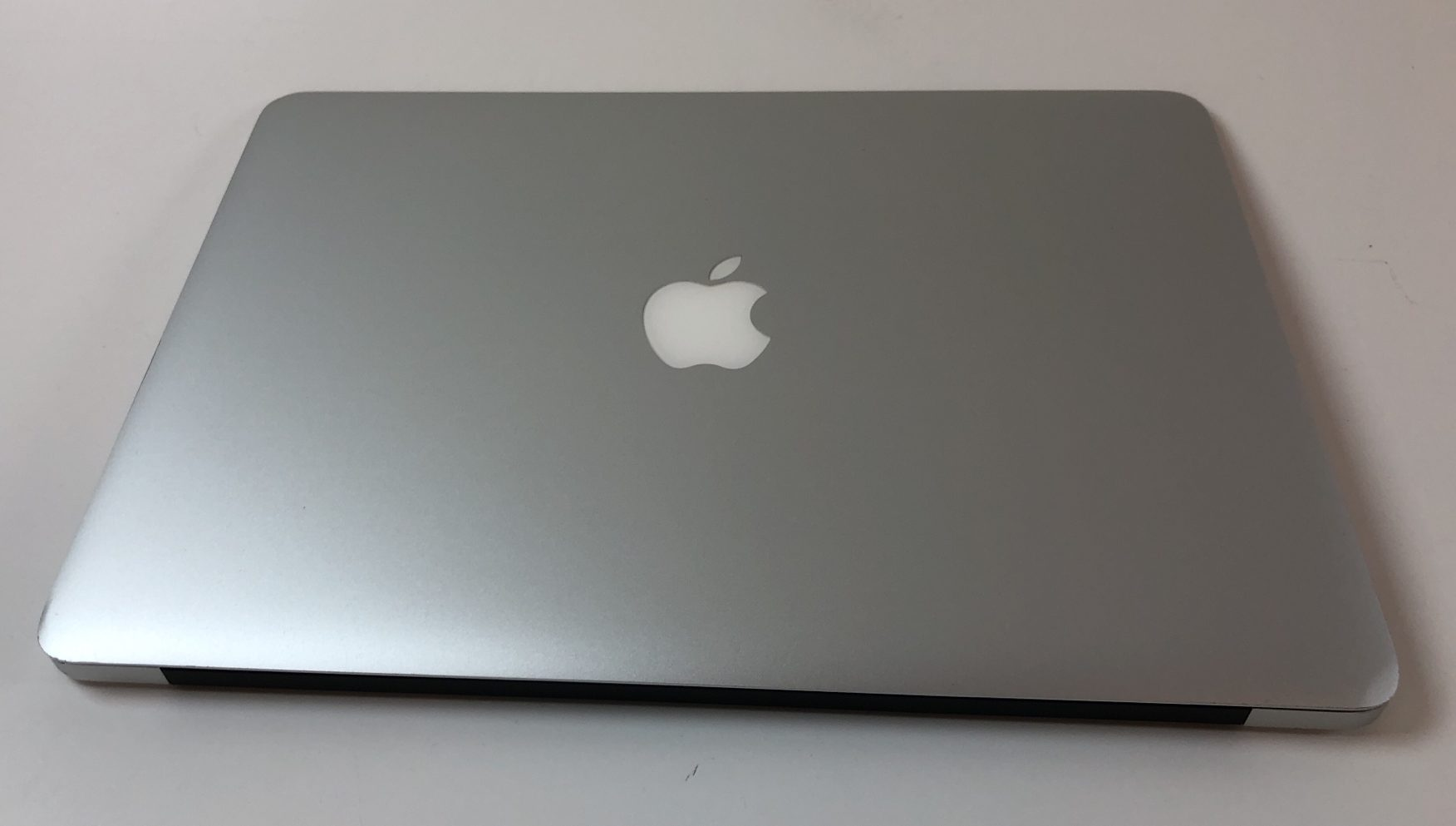 "MacBook Air 13"" Mid 2013 (Intel Core i5 1.3 GHz 4 GB RAM 128 GB SSD), Intel Core i5 1.3 GHz, 4 GB RAM, 128 GB SSD, Kuva 2"