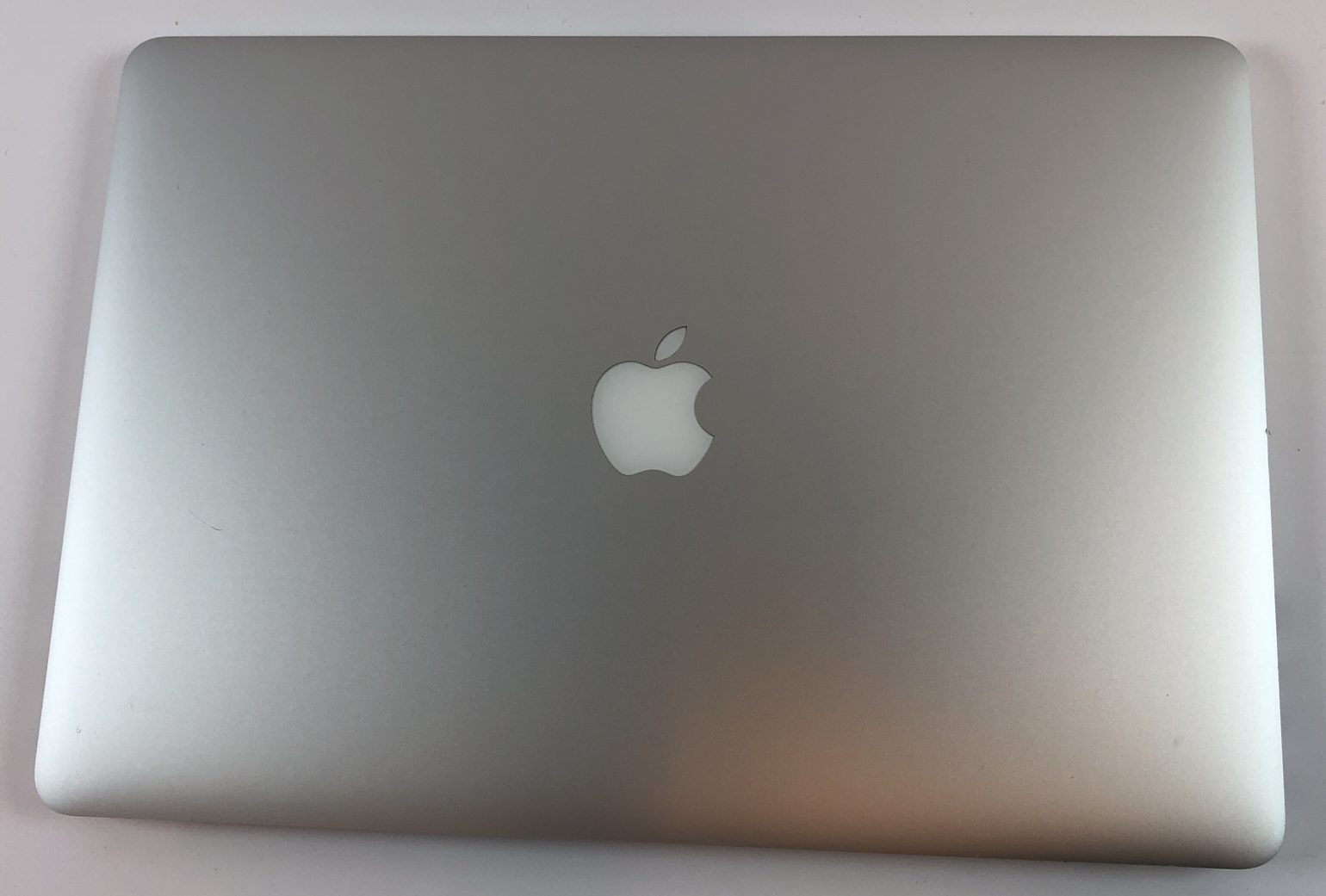 "MacBook Pro Retina 15"" Mid 2015 (Intel Quad-Core i7 2.8 GHz 16 GB RAM 512 GB SSD), Intel Quad-Core i7 2.8 GHz, 16 GB RAM, 512 GB SSD, Kuva 2"