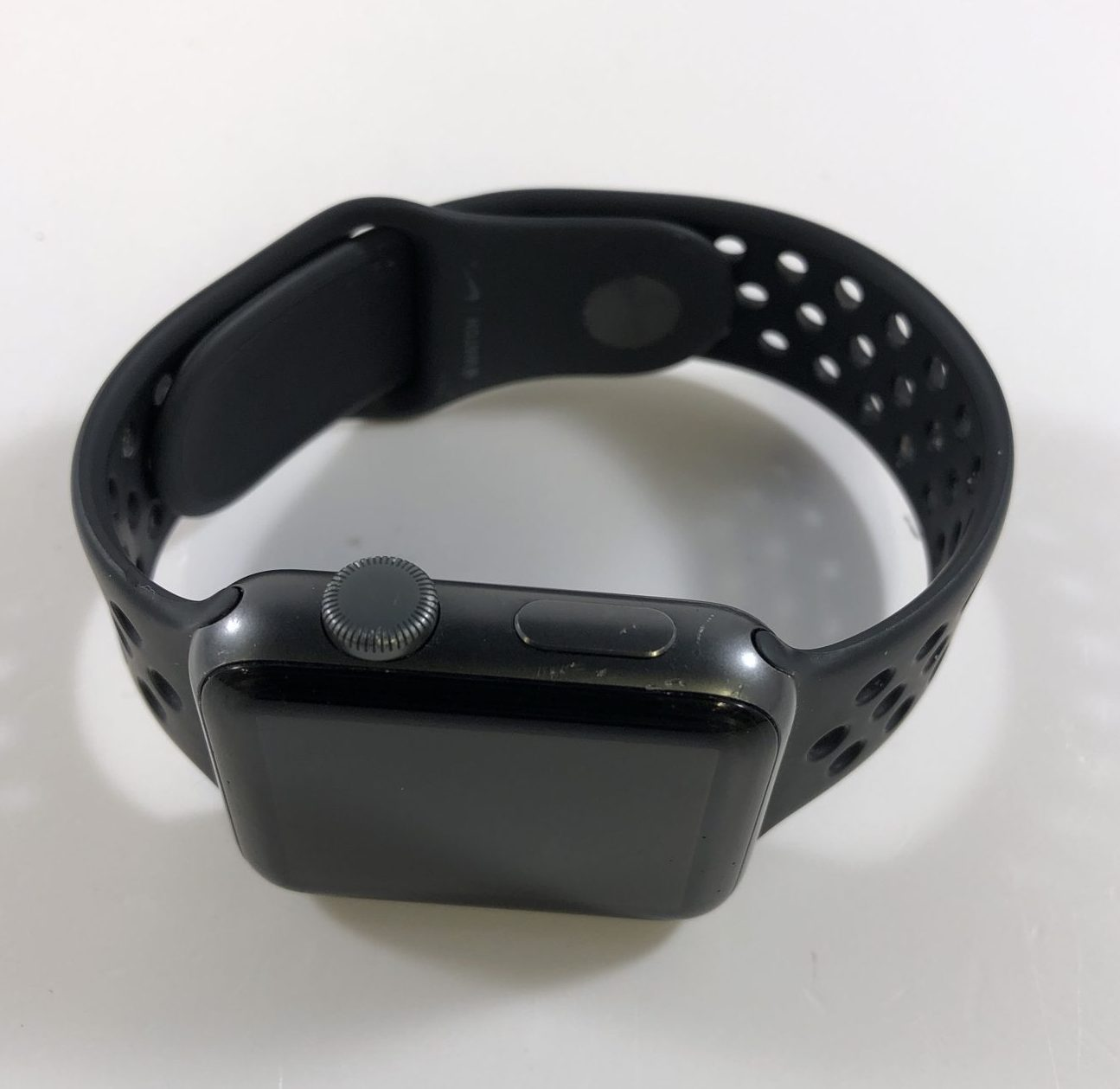Watch Series 3 Aluminum (42mm), Space Gray, Anthracite/Black Nike Sport Band, Kuva 2
