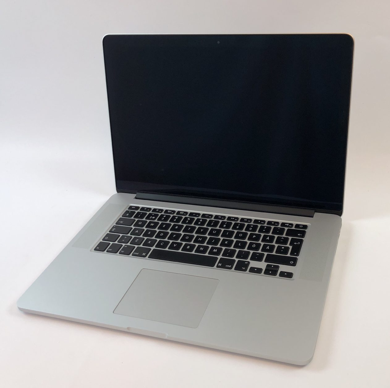 "MacBook Pro Retina 15"" Mid 2015 (Intel Quad-Core i7 2.5 GHz 16 GB RAM 512 GB SSD), Intel Quad-Core i7 2.5 GHz, 16 GB RAM, 512 GB SSD, Kuva 1"