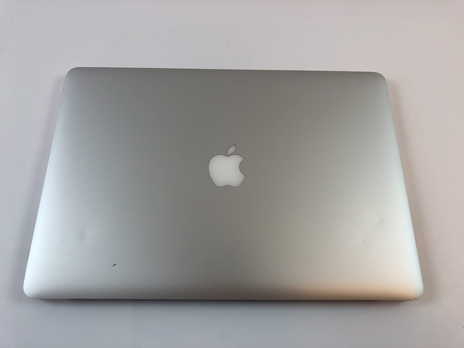 "MacBook Pro Retina 15"" Mid 2015 (Intel Quad-Core i7 2.5 GHz 16 GB RAM 512 GB SSD), Intel Quad-Core i7 2.5 GHz, 16 GB RAM, 512 GB SSD, Kuva 2"