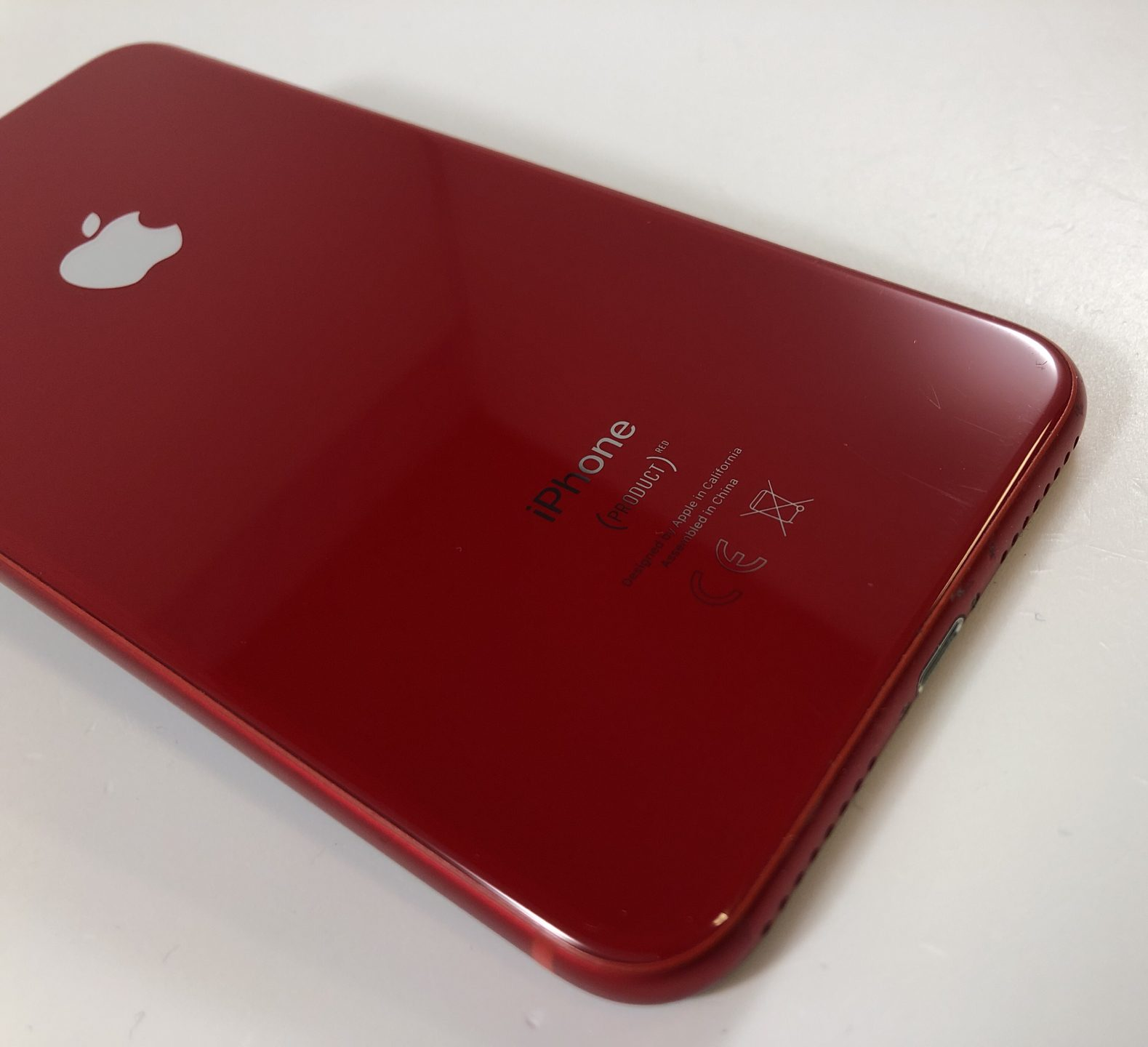 iPhone 8 Plus 64GB, 64GB, Red, Kuva 3