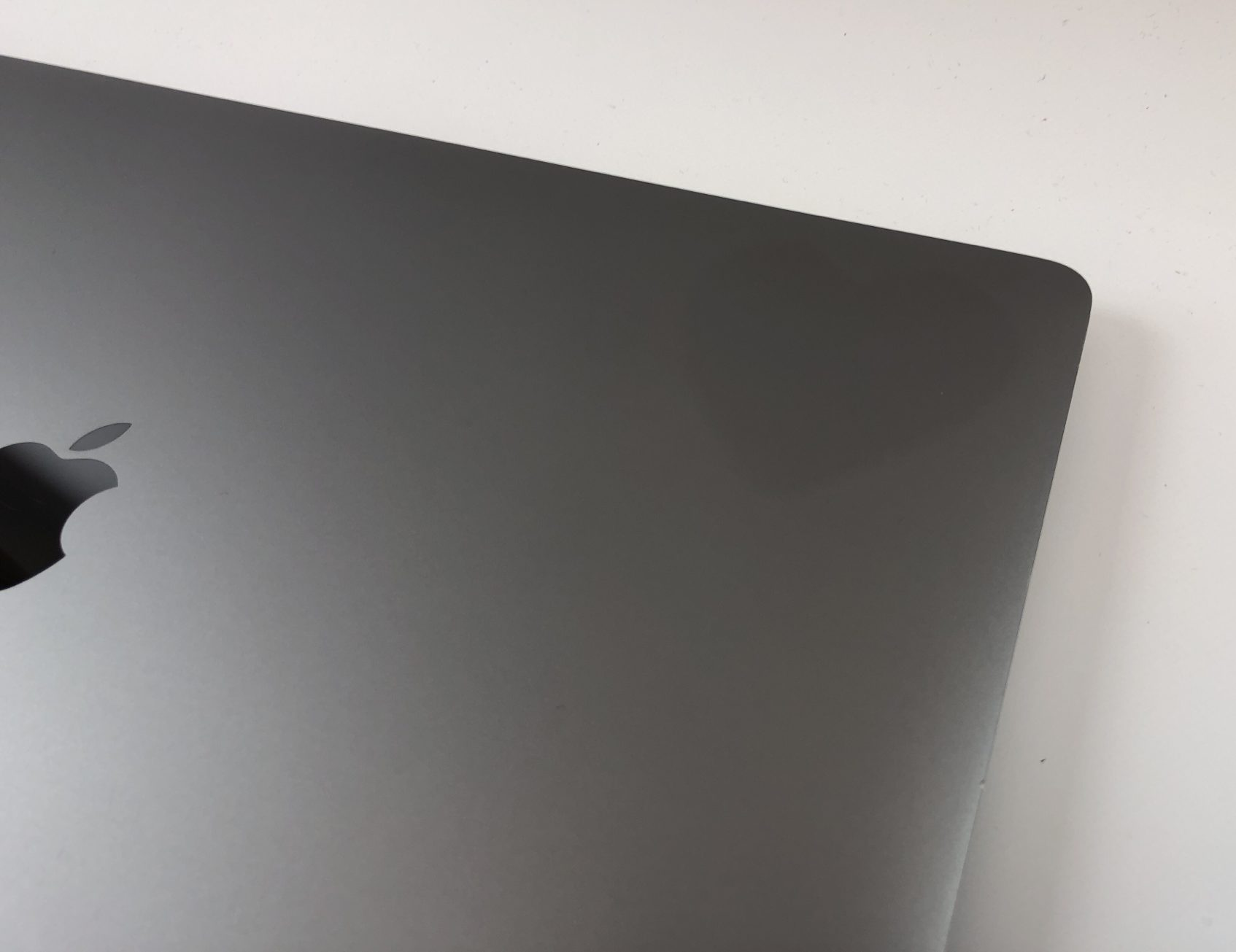 """MacBook Pro 15"""" Touch Bar Mid 2017 (Intel Quad-Core i7 2.9 GHz 16 GB RAM 512 GB SSD), Space Gray, Intel Quad-Core i7 2.9 GHz, 16 GB RAM, 512 GB SSD, Kuva 4"""