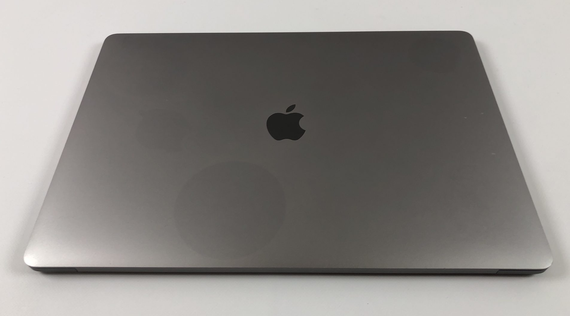 "MacBook Pro 15"" Touch Bar Late 2016 (Intel Quad-Core i7 2.7 GHz 16 GB RAM 512 GB SSD), Space Gray, Intel Quad-Core i7 2.7 GHz, 16 GB RAM, 512 GB SSD, Kuva 2"