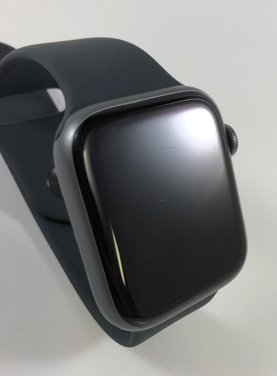Watch Series 4 Aluminum (44mm), Space Gray, Black Sport Loop, Kuva 3