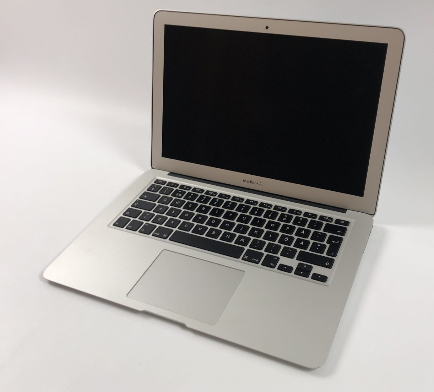 "MacBook Air 13"" Early 2014 (Intel Core i5 1.4 GHz 4 GB RAM 128 GB SSD), Intel Core i5 1.4 GHz, 4 GB RAM, 128 GB SSD, Kuva 1"