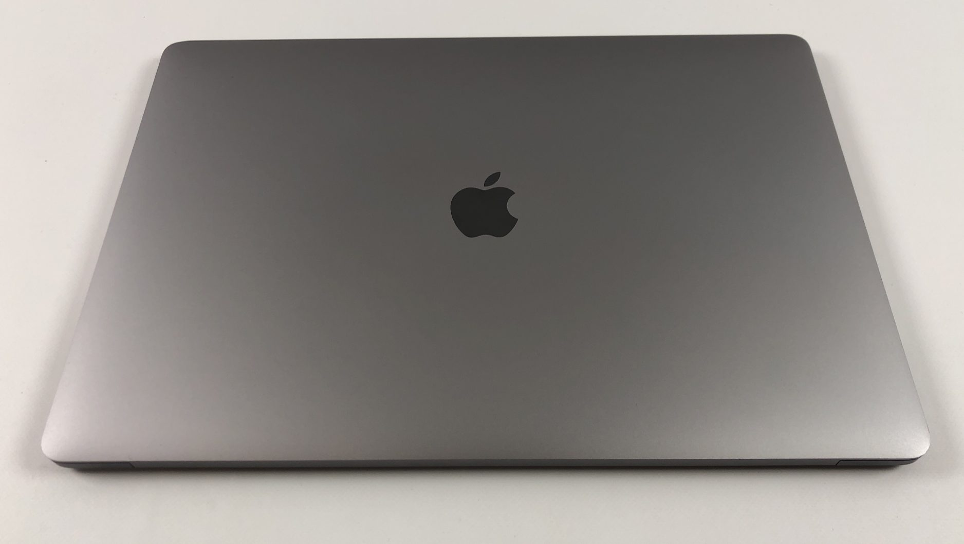 "MacBook Pro 15"" Touch Bar Late 2016 (Intel Quad-Core i7 2.7 GHz 16 GB RAM 512 GB SSD), Space Gray, Intel Quad-Core i7 2.7 GHz, 16 GB RAM, 512 GB SSD, immagine 2"
