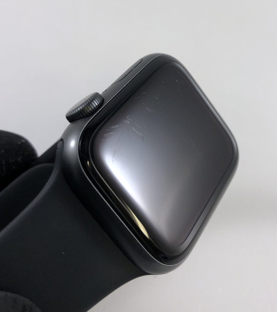 Watch Series 4 Aluminum (40mm), Space Gray, Black Sport Band, image 3