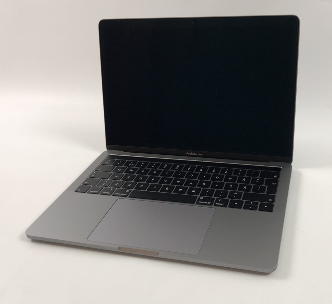 "MacBook Pro 13"" 4TBT Mid 2019 (Intel Quad-Core i5 2.4 GHz 8 GB RAM 512 GB SSD), Space Gray, Intel Quad-Core i5 2.4 GHz, 8 GB RAM, 512 GB SSD, Kuva 1"