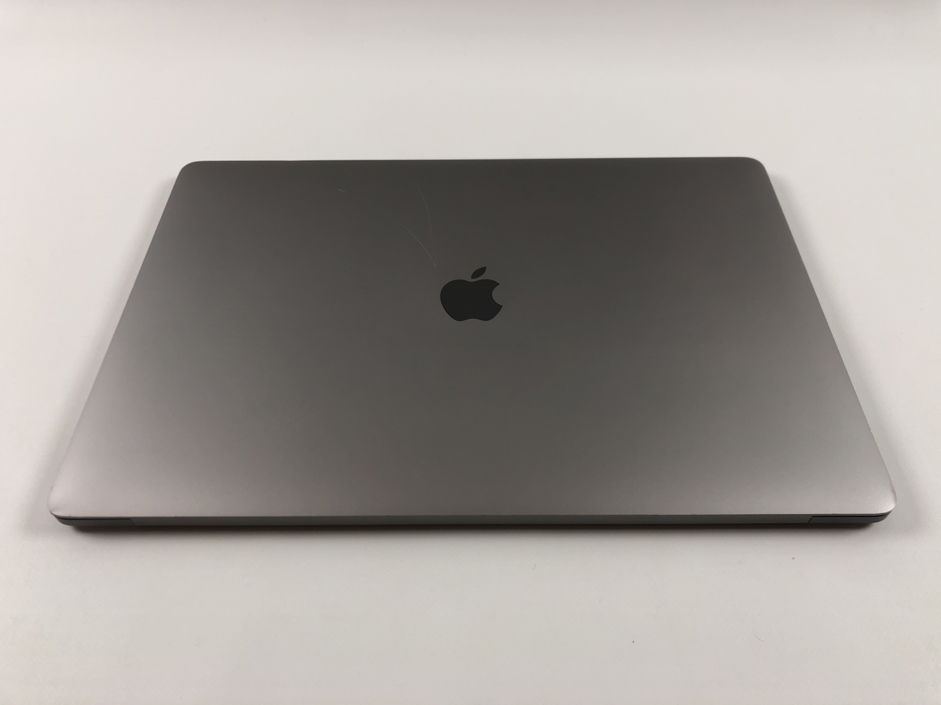 "MacBook Pro 15"" Touch Bar Late 2016 (Intel Quad-Core i7 2.7 GHz 16 GB RAM 512 GB SSD), Space Gray, Intel Quad-Core i7 2.7 GHz, 16 GB RAM, 512 GB SSD, Afbeelding 2"