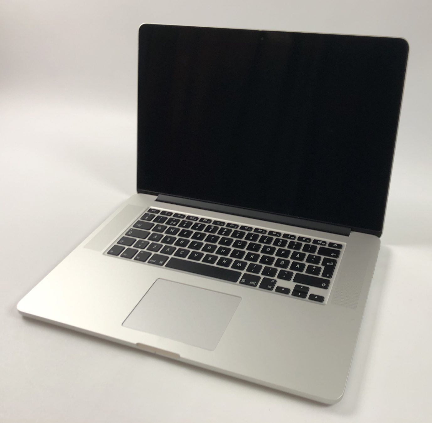 "MacBook Pro Retina 15"" Mid 2015 (Intel Quad-Core i7 2.2 GHz 16 GB RAM 256 GB SSD), Intel Quad-Core i7 2.2 GHz, 16 GB RAM, 256 GB SSD, bild 1"