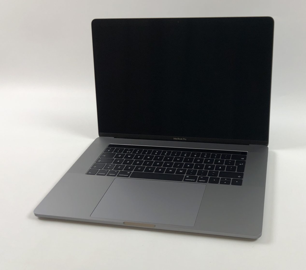 "MacBook Pro 15"" Touch Bar Late 2016 (Intel Quad-Core i7 2.6 GHz 16 GB RAM 256 GB SSD), Space Gray, Intel Quad-Core i7 2.6 GHz, 16 GB RAM, 256 GB SSD, image 1"