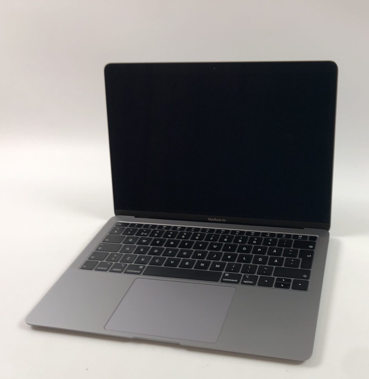 "MacBook Air 13"" Late 2018 (Intel Core i5 1.6 GHz 8 GB RAM 128 GB SSD), Space Gray, Intel Core i5 1.6 GHz, 8 GB RAM, 128 GB SSD, Kuva 1"