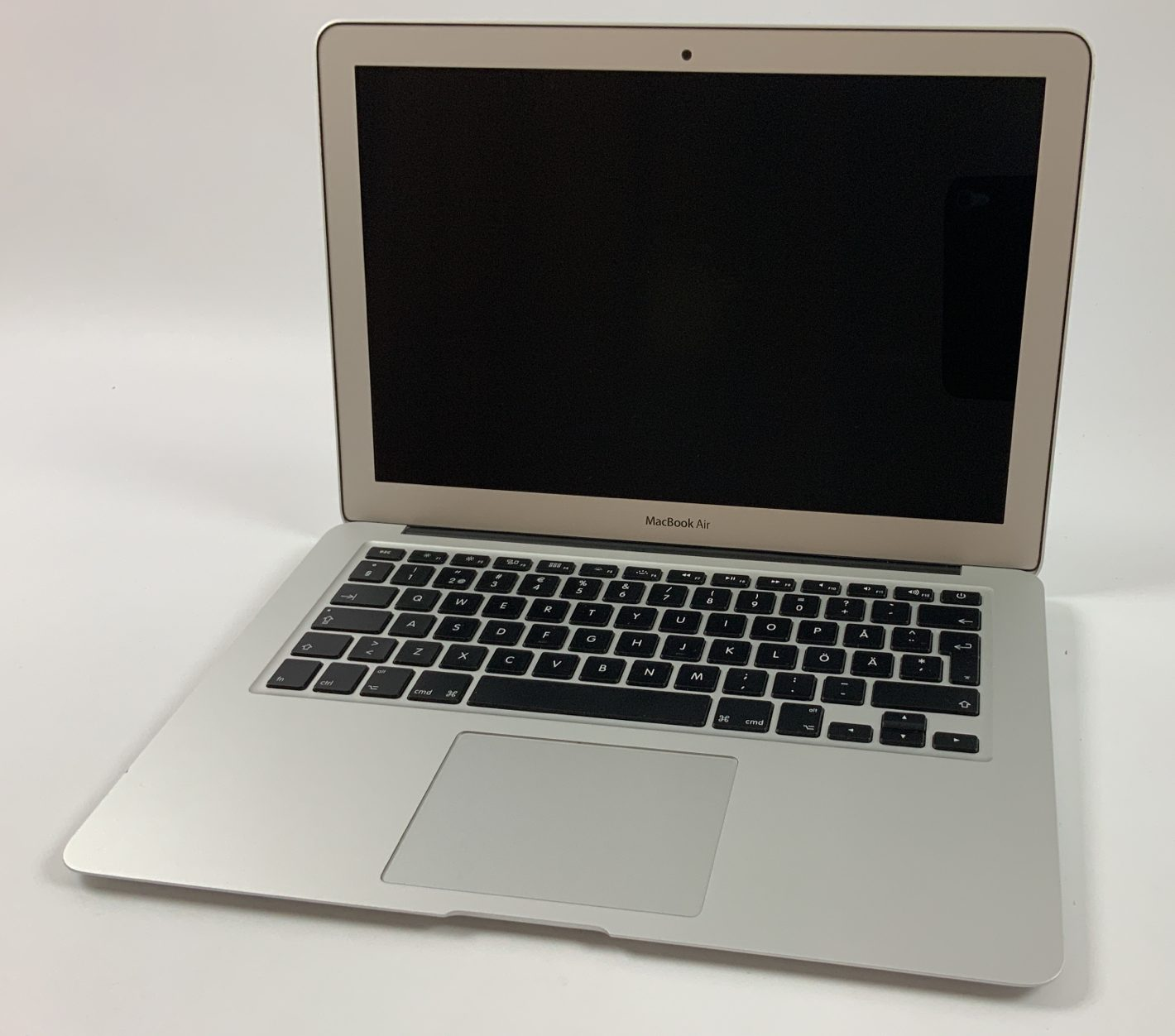 "MacBook Air 13"" Early 2015 (Intel Core i5 1.6 GHz 4 GB RAM 128 GB SSD), Intel Core i5 1.6 GHz, 4 GB RAM, 128 GB SSD, Kuva 1"