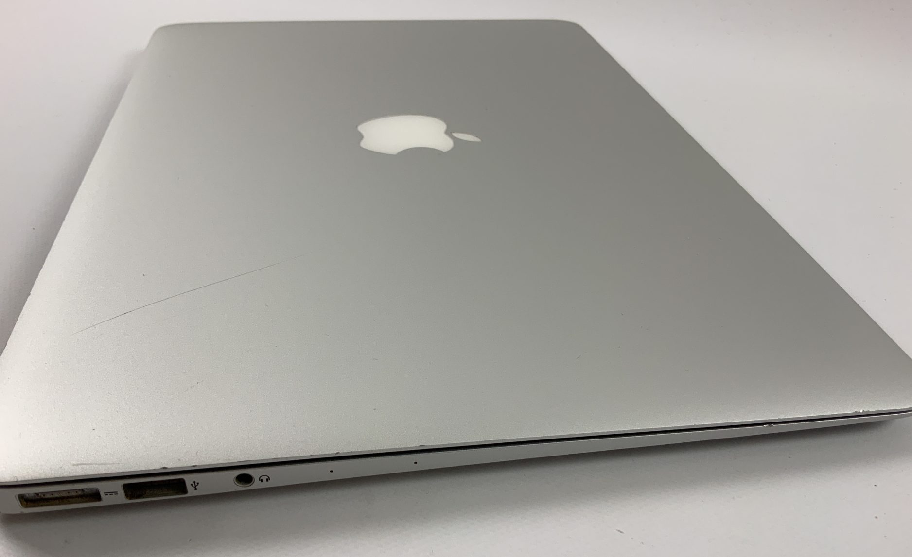 "MacBook Air 13"" Early 2015 (Intel Core i5 1.6 GHz 4 GB RAM 128 GB SSD), Intel Core i5 1.6 GHz, 4 GB RAM, 128 GB SSD, Kuva 3"