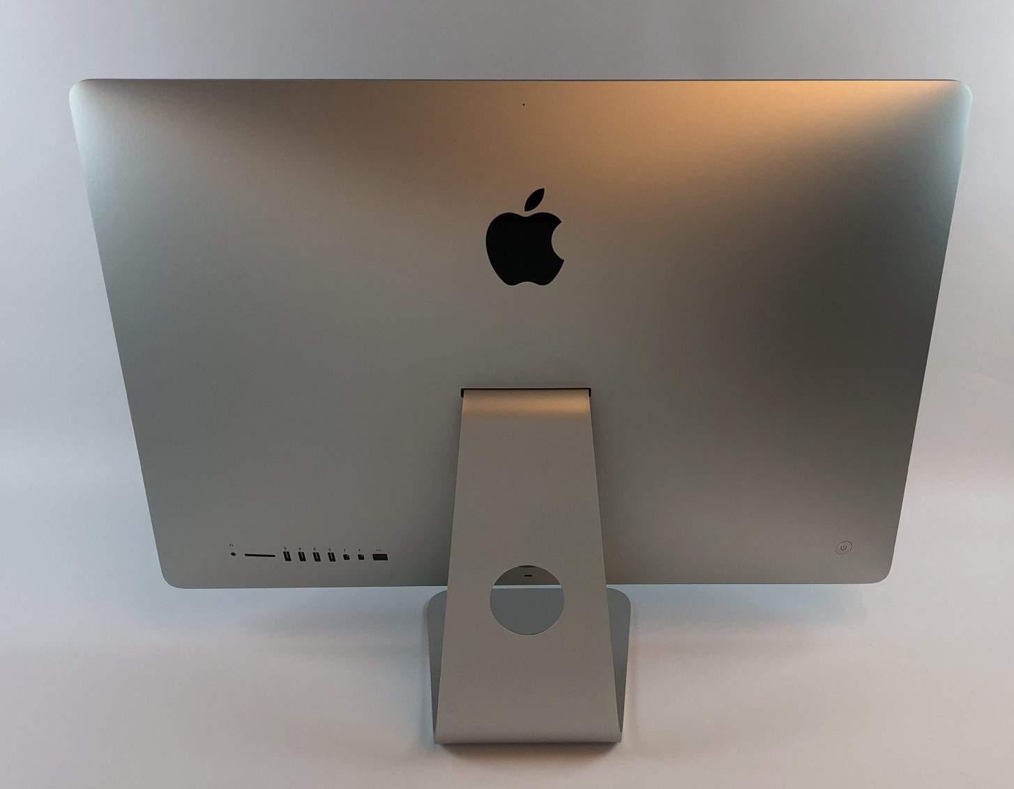 "iMac 27"" Retina 5K Late 2015 (Intel Quad-Core i5 3.2 GHz 24 GB RAM 1 TB Fusion Drive), Intel Quad-Core i5 3.2 GHz, 24 GB RAM, 1 TB Fusion Drive, immagine 2"