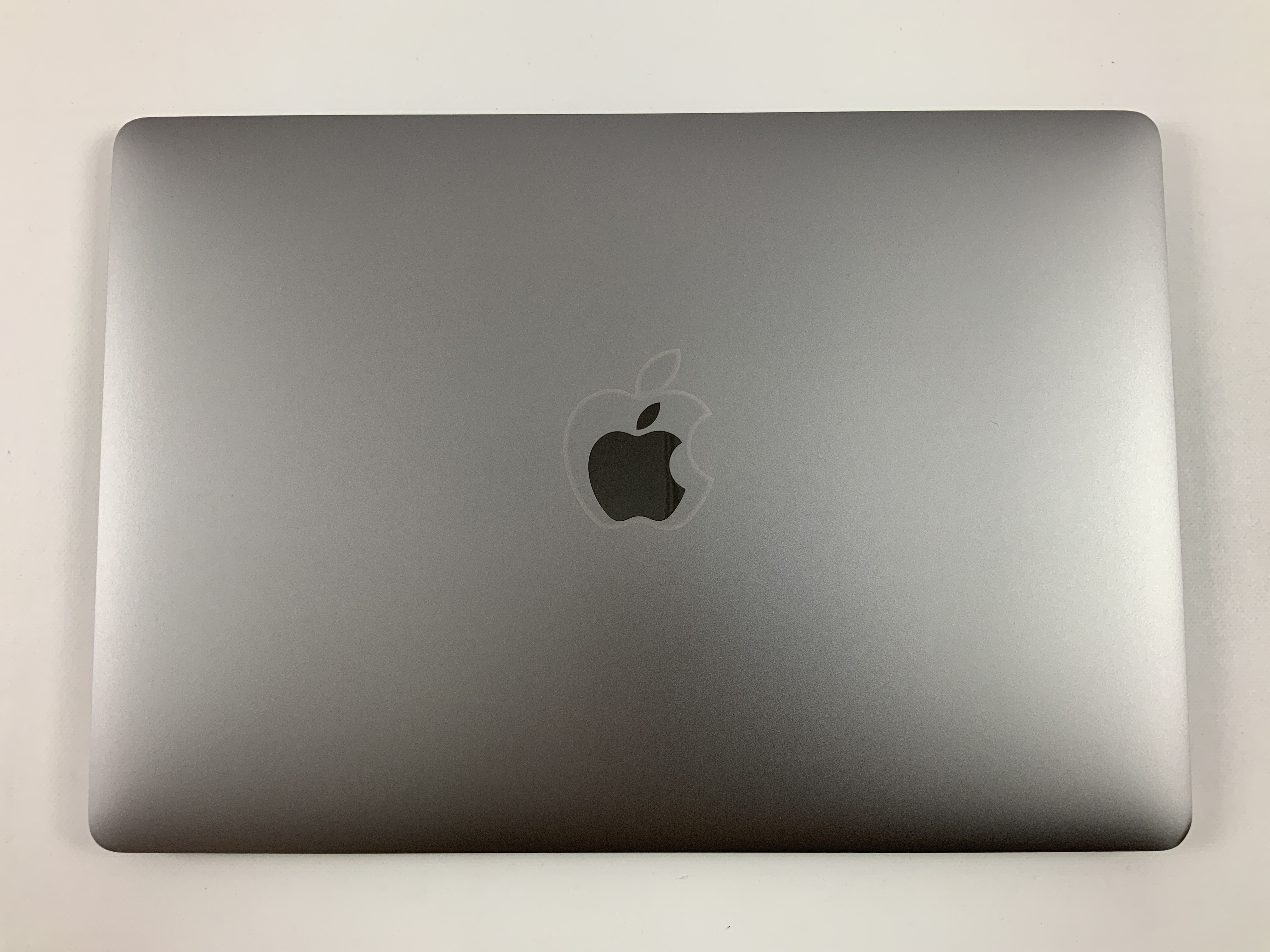 "MacBook Pro 15"" Touch Bar Mid 2018 (Intel 6-Core i7 2.2 GHz 16 GB RAM 512 GB SSD), Space Gray, Intel 6-Core i7 2.2 GHz, 16 GB RAM, 512 GB SSD, immagine 2"