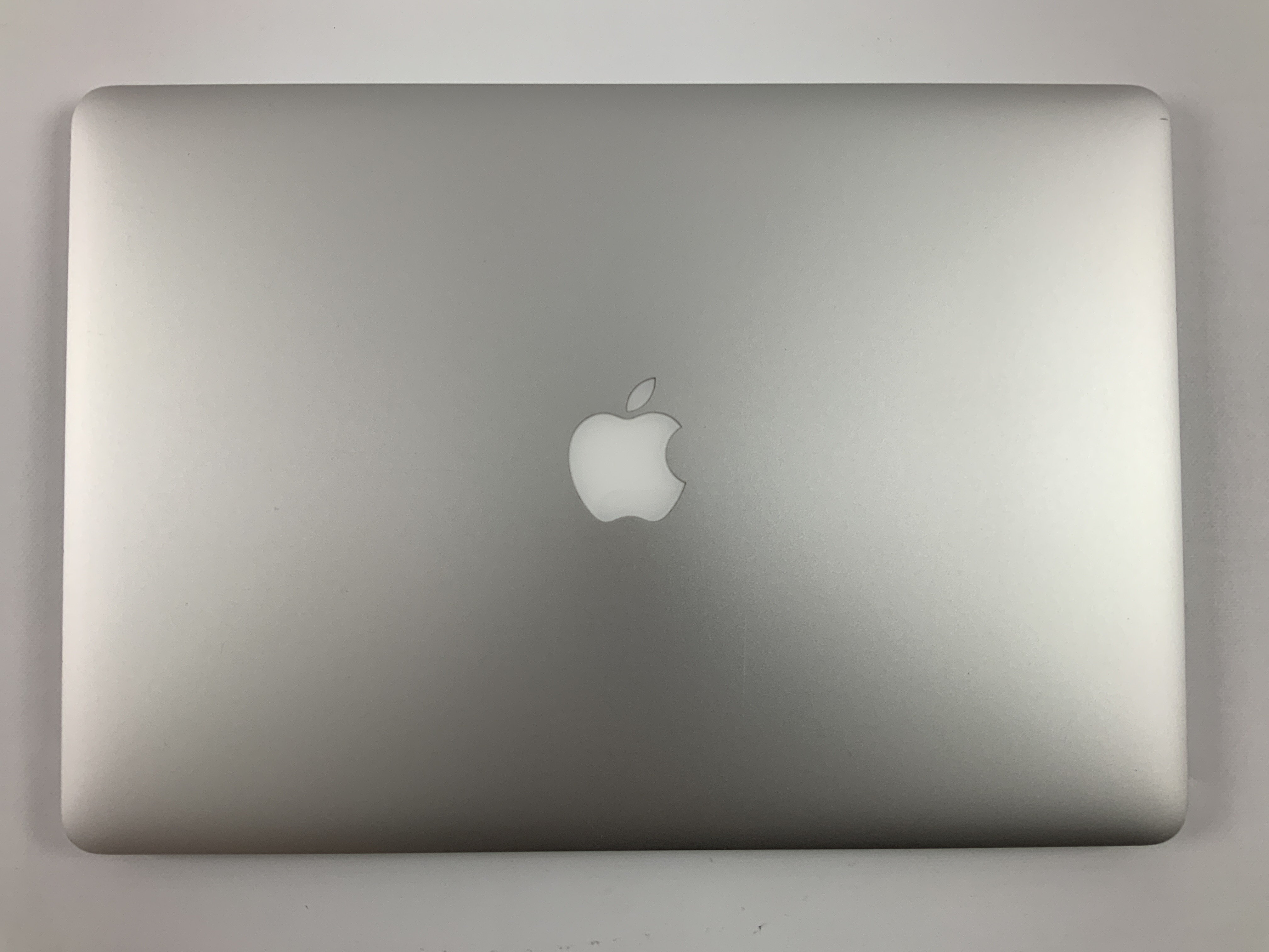 "MacBook Pro Retina 15"" Mid 2015 (Intel Quad-Core i7 2.2 GHz 16 GB RAM 1 TB SSD), Intel Quad-Core i7 2.2 GHz, 16 GB RAM, 1 TB SSD, Bild 2"