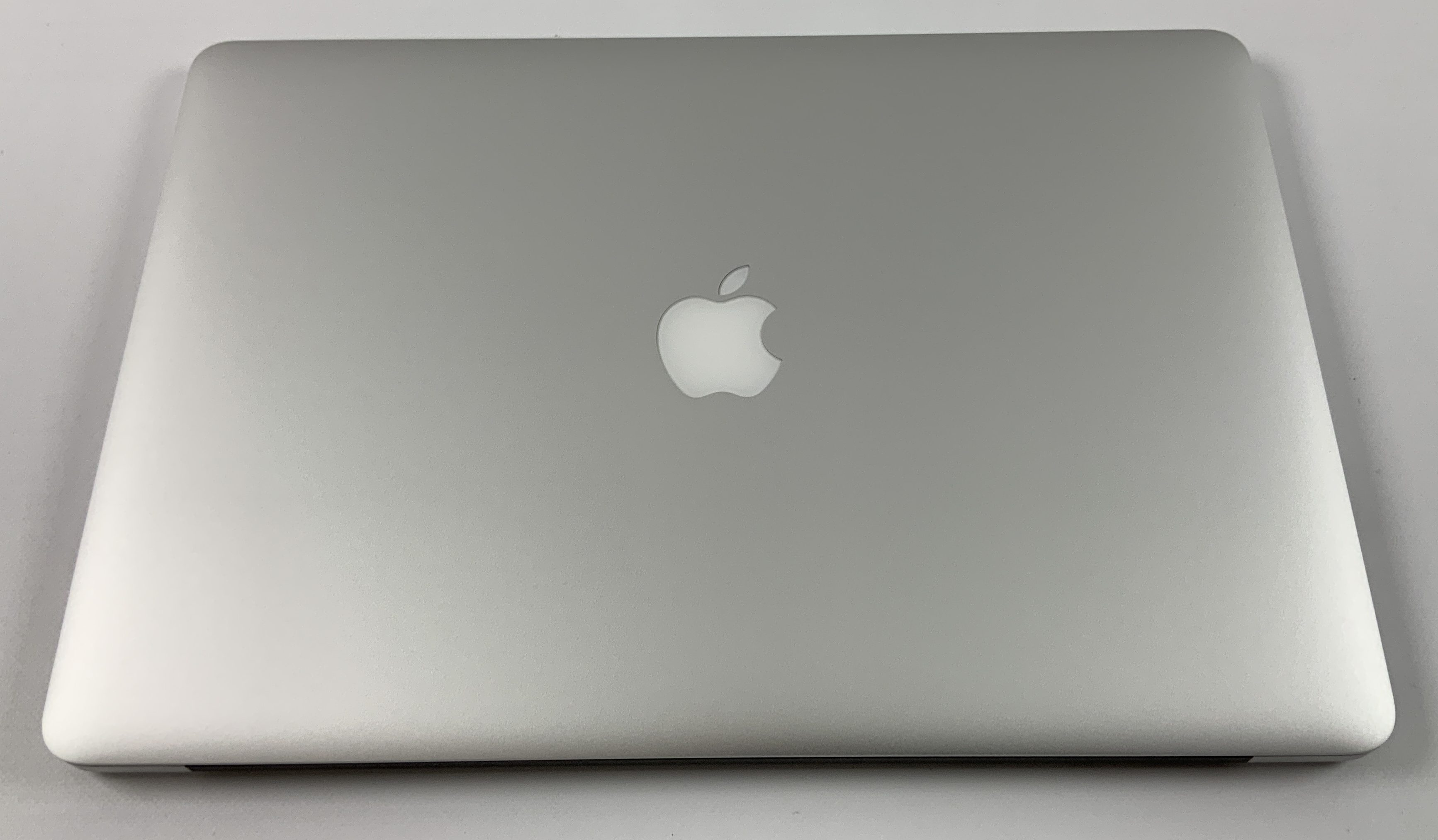 "MacBook Pro Retina 15"" Mid 2015 (Intel Quad-Core i7 2.2 GHz 16 GB RAM 256 GB SSD), Intel Quad-Core i7 2.2 GHz, 16 GB RAM, 256 GB SSD, immagine 2"