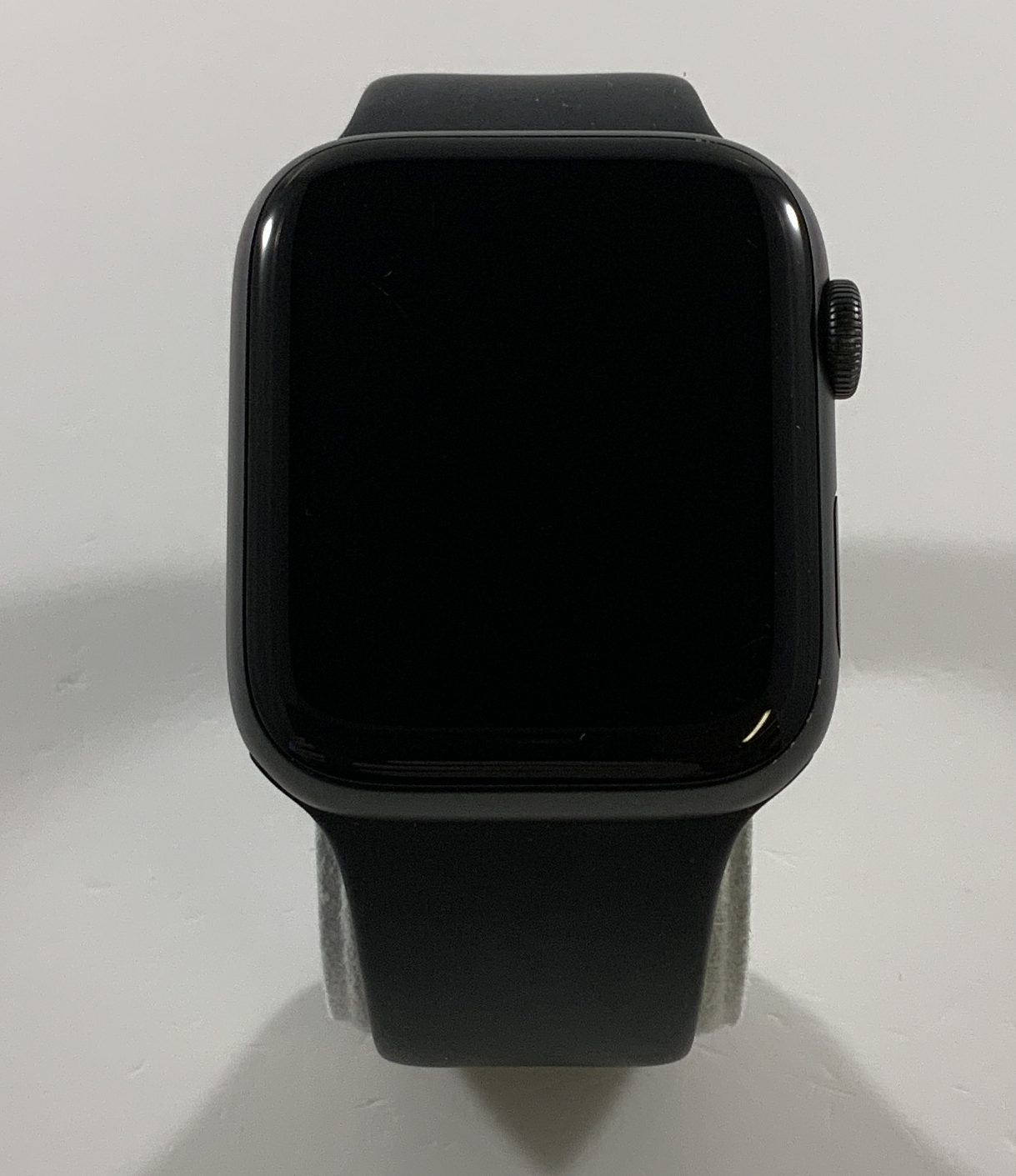 Watch Series 4 Aluminum (44mm), Space Gray, Black Sport Band, Afbeelding 1