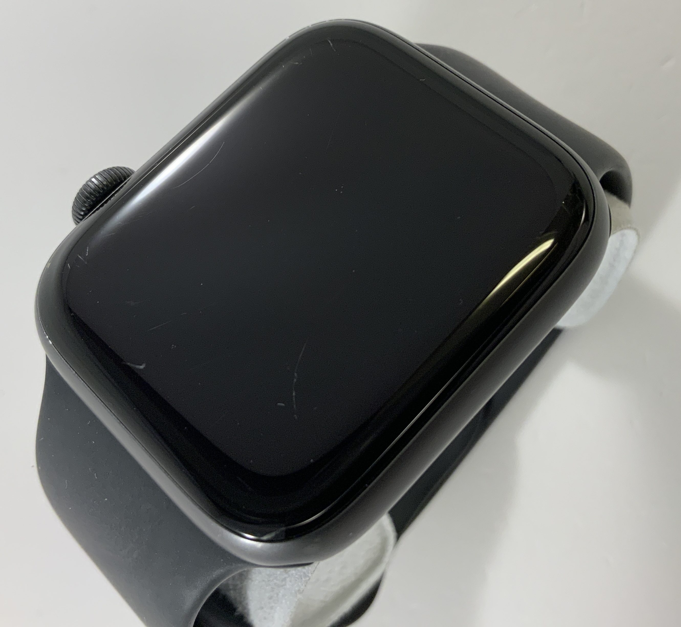 Watch Series 4 Aluminum (44mm), Space Gray, Black Sport Band, Afbeelding 3
