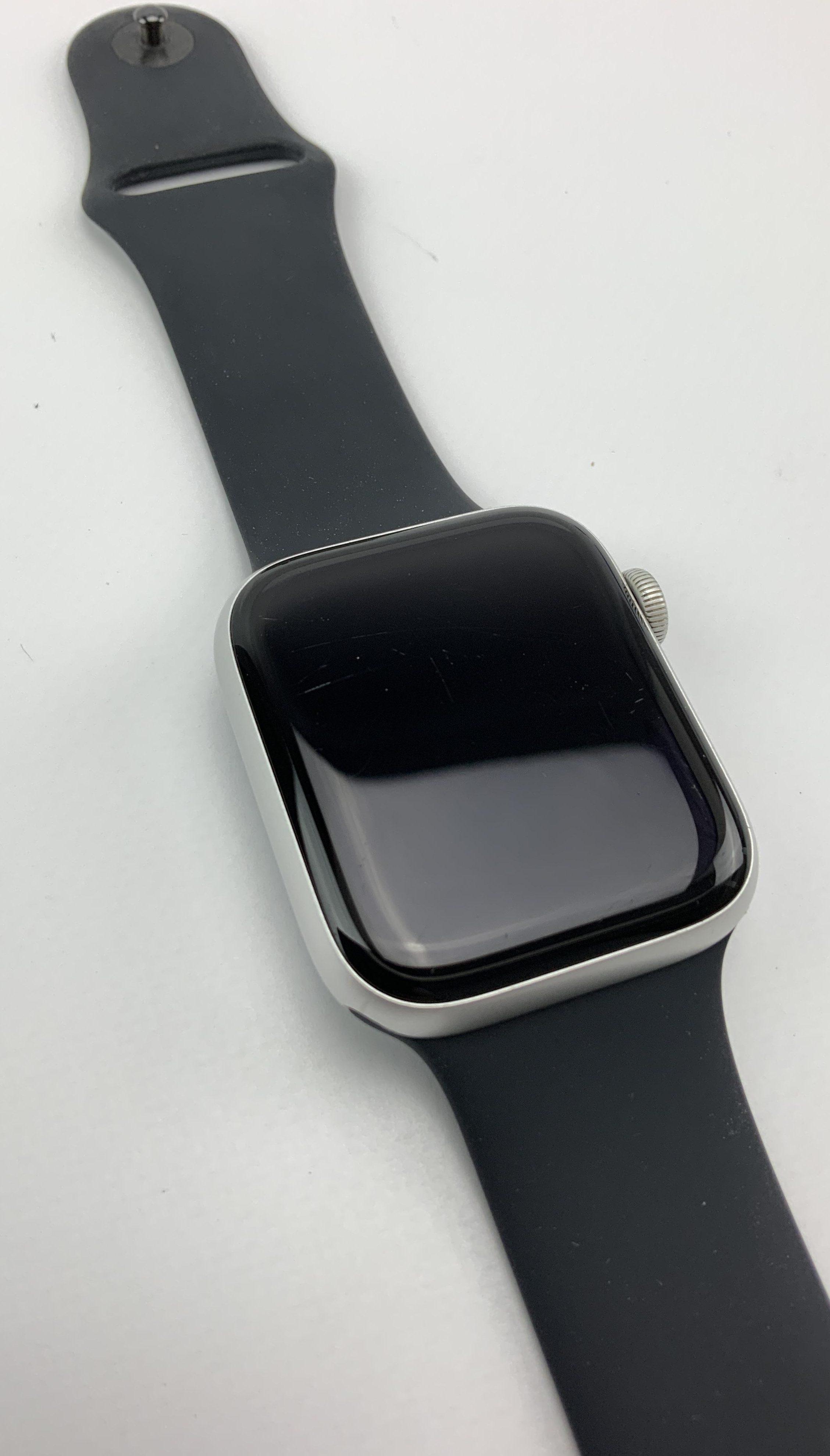 Watch Series 4 Aluminum (44mm), Silver, Black Sport Band, Kuva 2