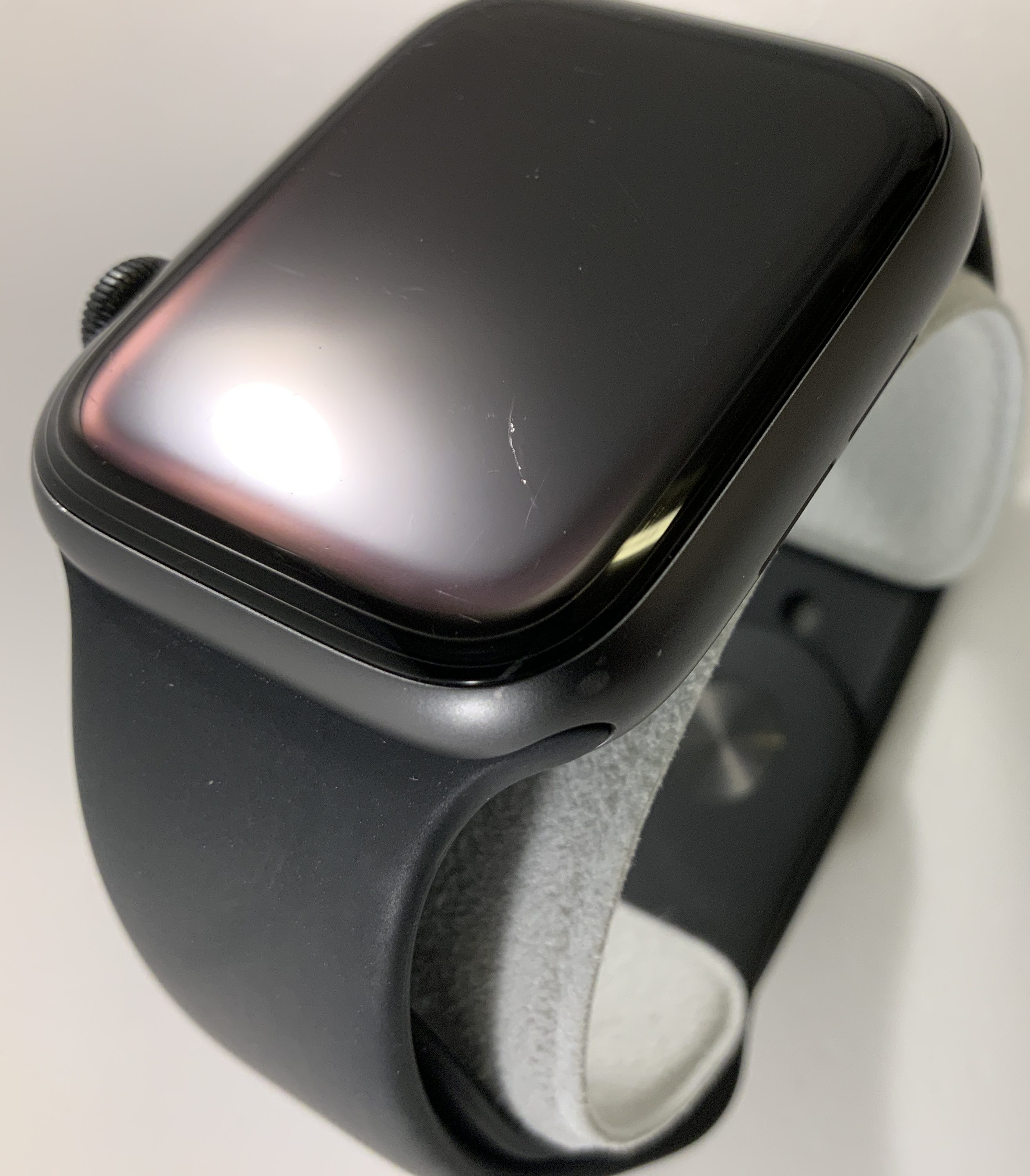Watch Series 4 Aluminum (44mm), Space Gray, Black Sport Band, Afbeelding 4