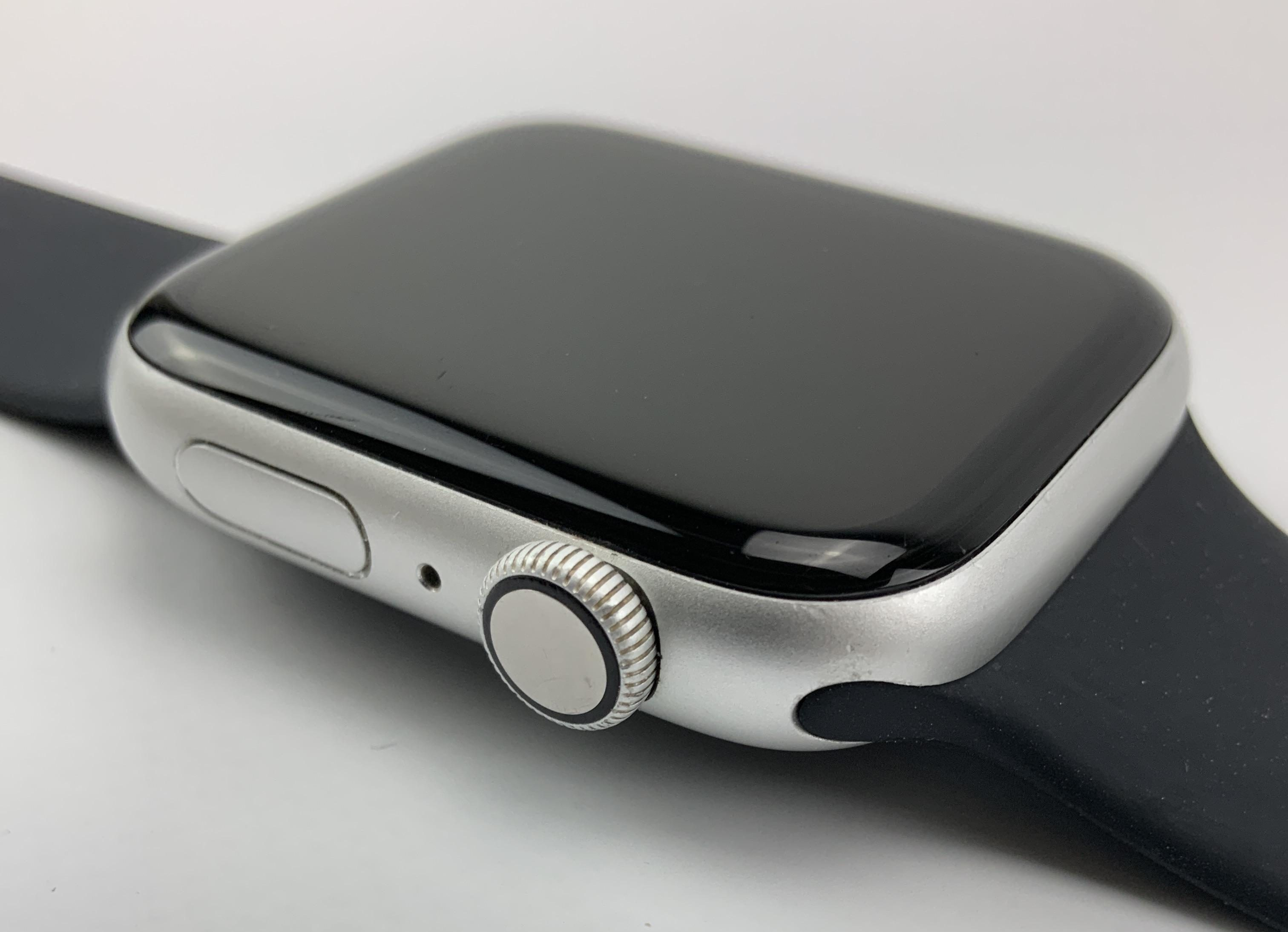 Watch Series 4 Aluminum (44mm), Silver, Black Sport Band, Kuva 3