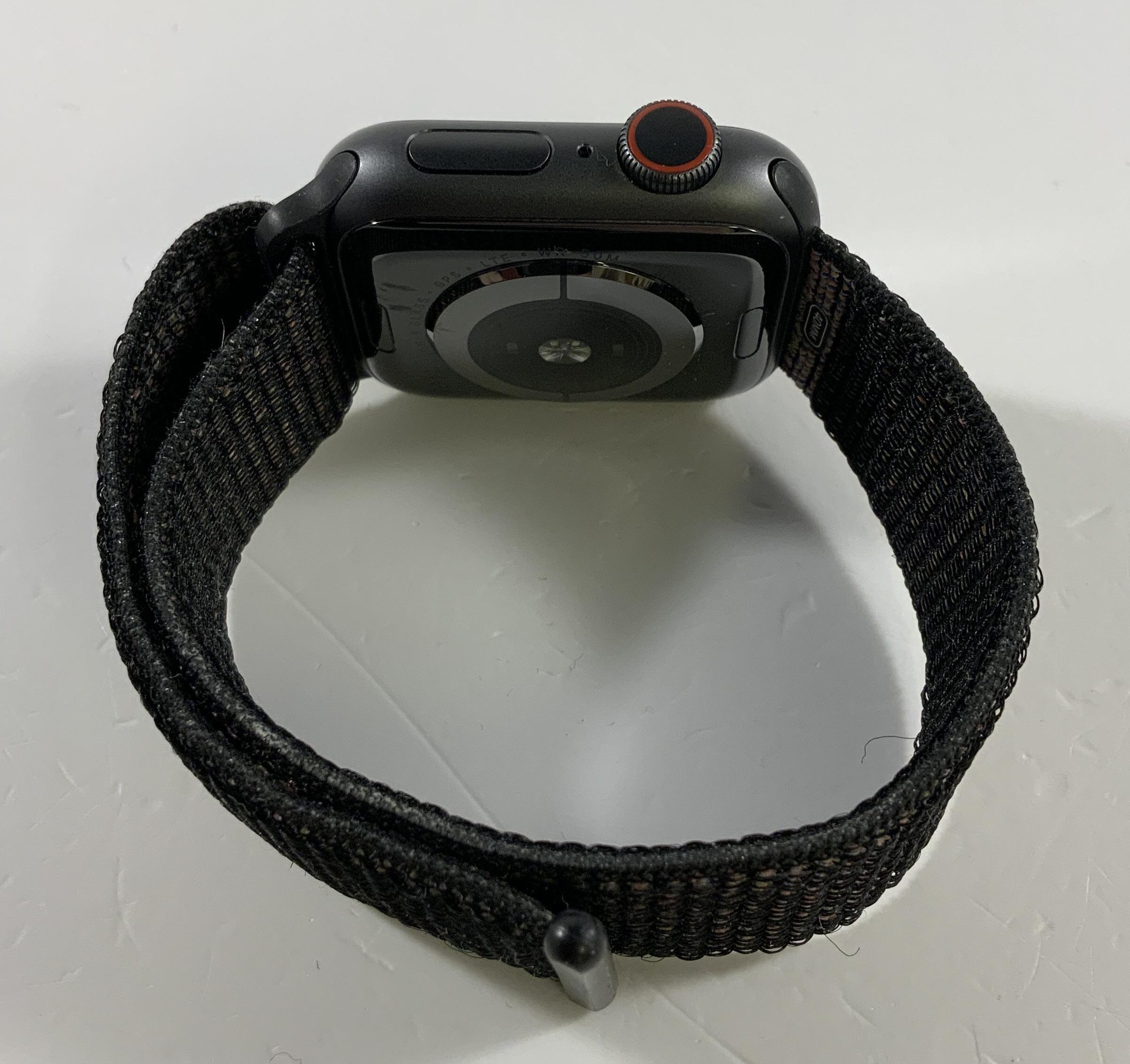 Watch Series 4 Aluminum Cellular (40mm), Space Gray, Black Sport Loop, image 3