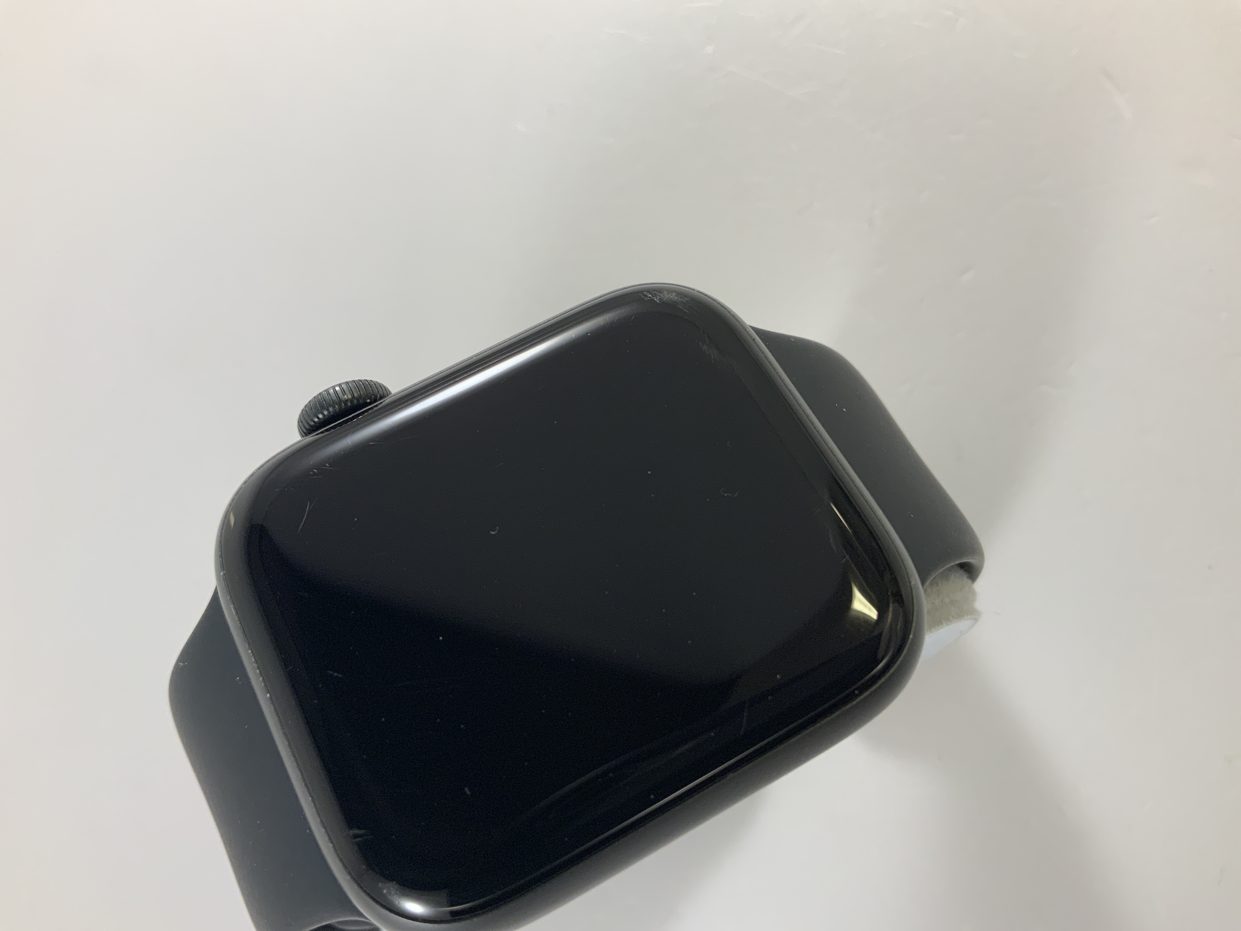 Watch Series 4 Aluminum Cellular (44mm), Space Gray, Black Sport Band, image 2