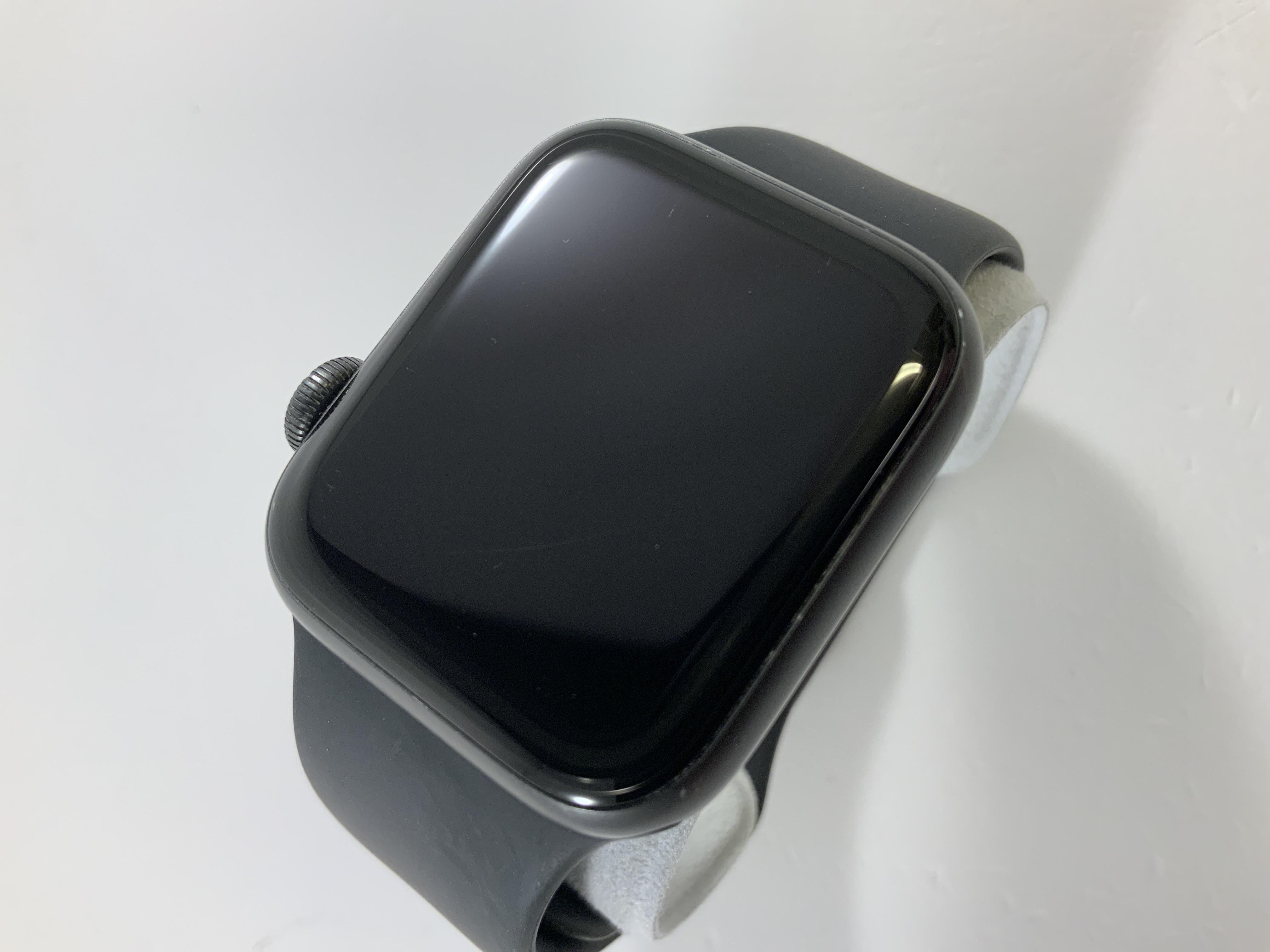 Watch Series 5 Aluminum (40mm), Space Gray, Kuva 2