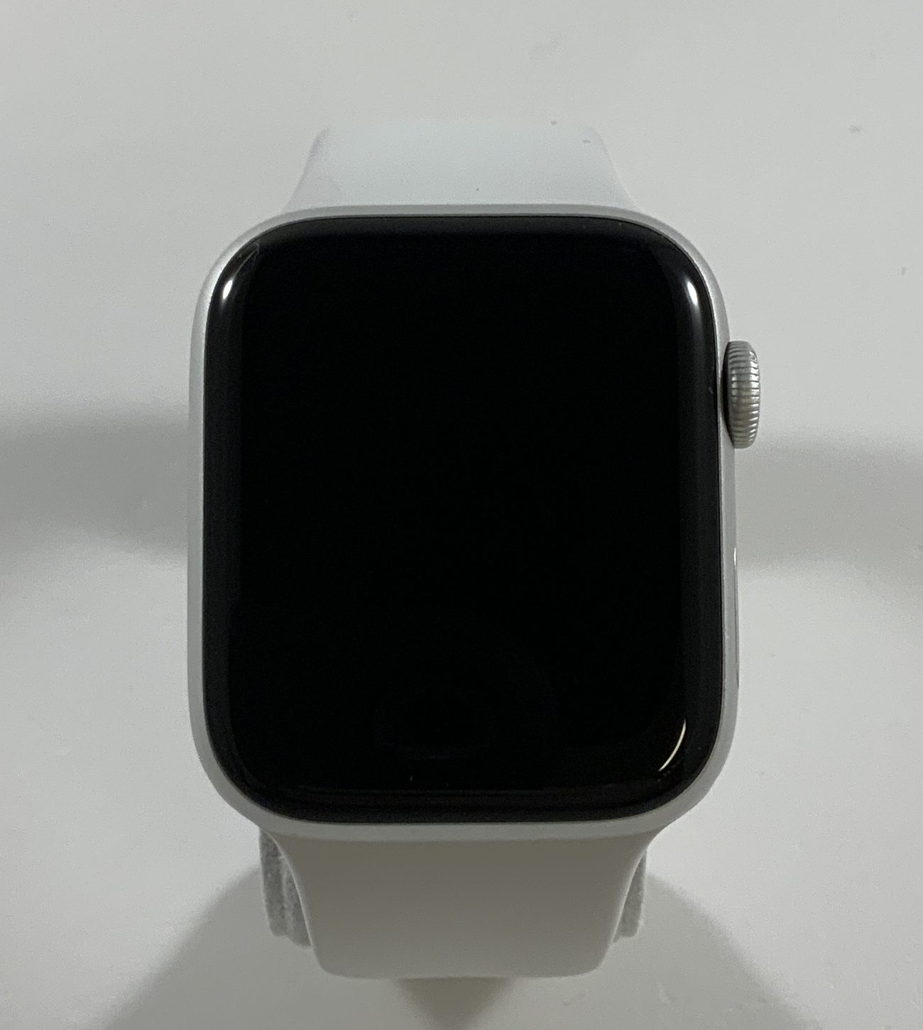 Watch Series 5 Aluminum Cellular (44mm), Silver, image 2