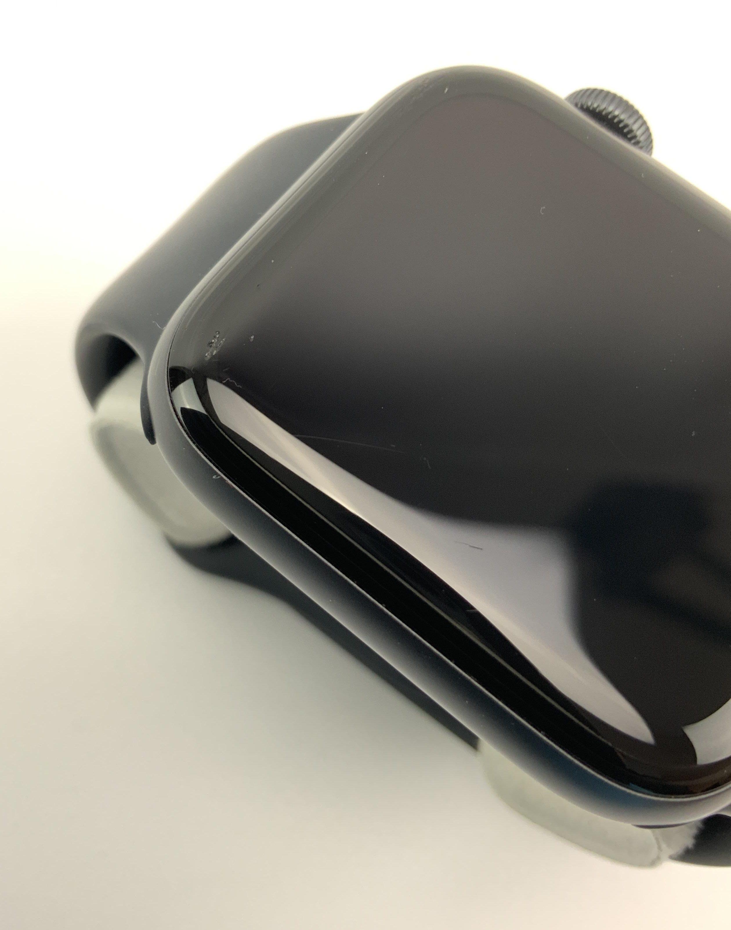 Watch Series 6 Aluminum (44mm), Space Gray, Kuva 4